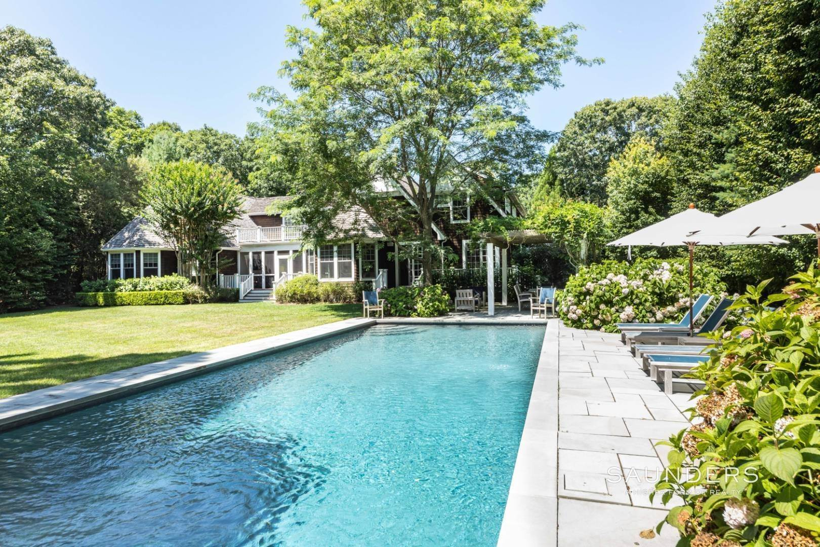23. Single Family Homes for Sale at Wainscott South Traditional Near Beach Lane 10 Merriwood Drive, Wainscott, East Hampton Town, NY 11975