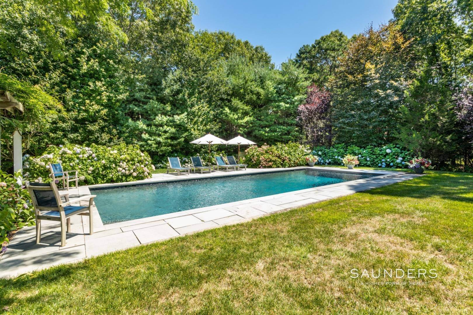 22. Single Family Homes for Sale at Wainscott South Traditional Near Beach Lane 10 Merriwood Drive, Wainscott, East Hampton Town, NY 11975