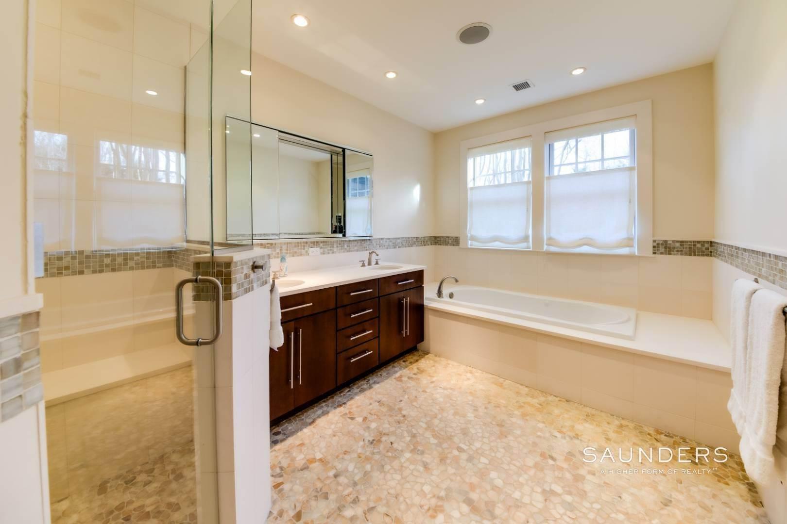 16. Single Family Homes for Sale at Wainscott South Traditional Near Beach Lane 10 Merriwood Drive, Wainscott, East Hampton Town, NY 11975