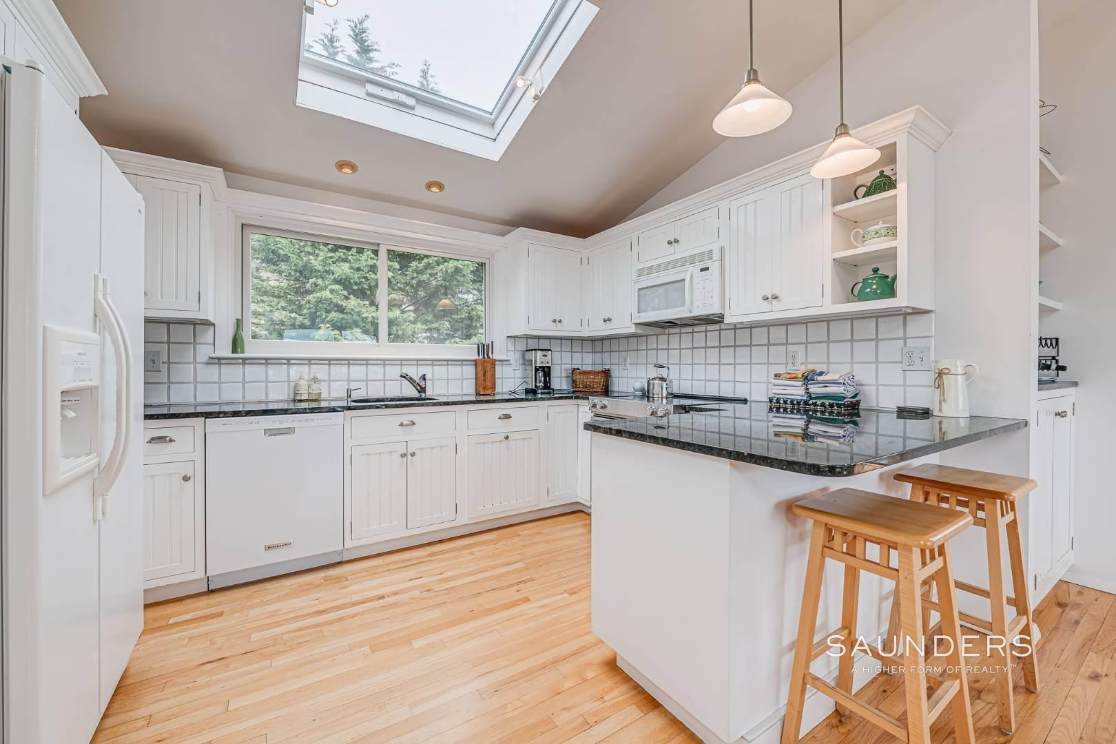7. Single Family Homes for Sale at Montauk Beach House 8 Stuyvesant Drive, Montauk, East Hampton Town, NY 11954