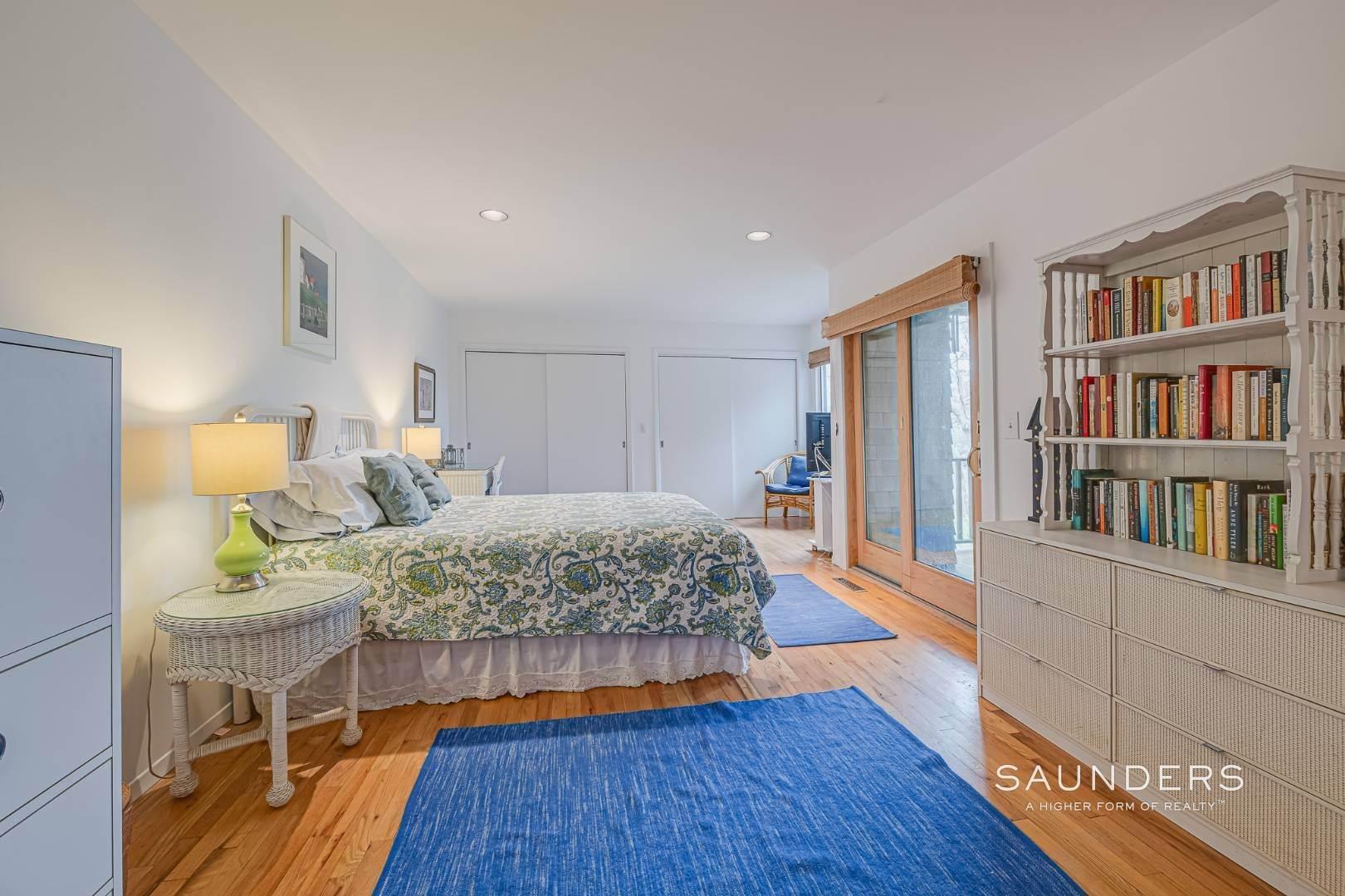10. Single Family Homes for Sale at Montauk Beach House 8 Stuyvesant Drive, Montauk, East Hampton Town, NY 11954
