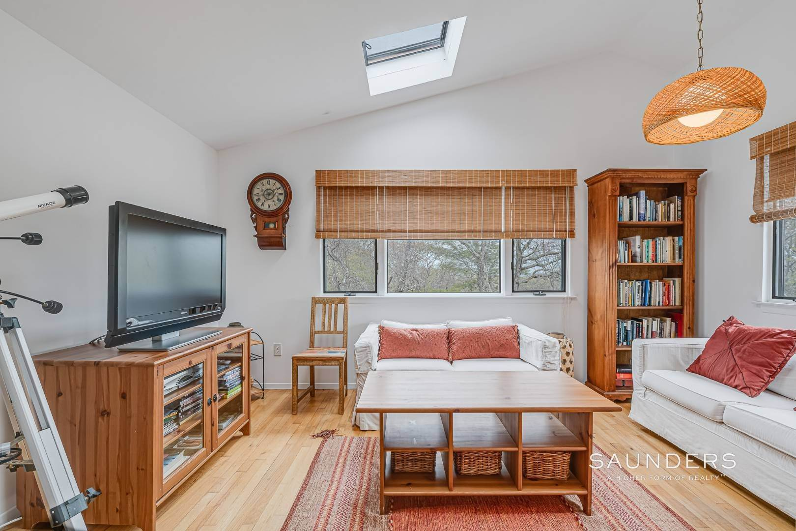 9. Single Family Homes for Sale at Montauk Beach House 8 Stuyvesant Drive, Montauk, East Hampton Town, NY 11954
