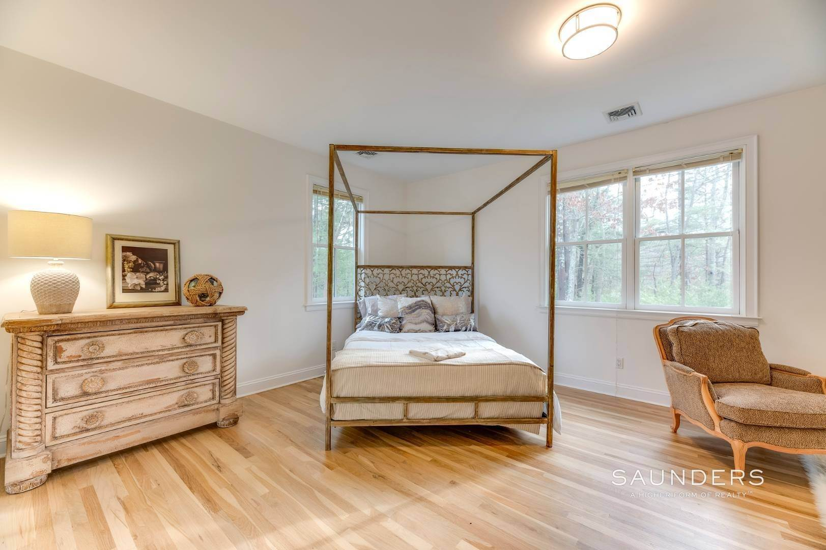 12. Single Family Homes for Sale at Expansive Private Retreat 225 Old Northwest Road, East Hampton, East Hampton Town, NY 11937