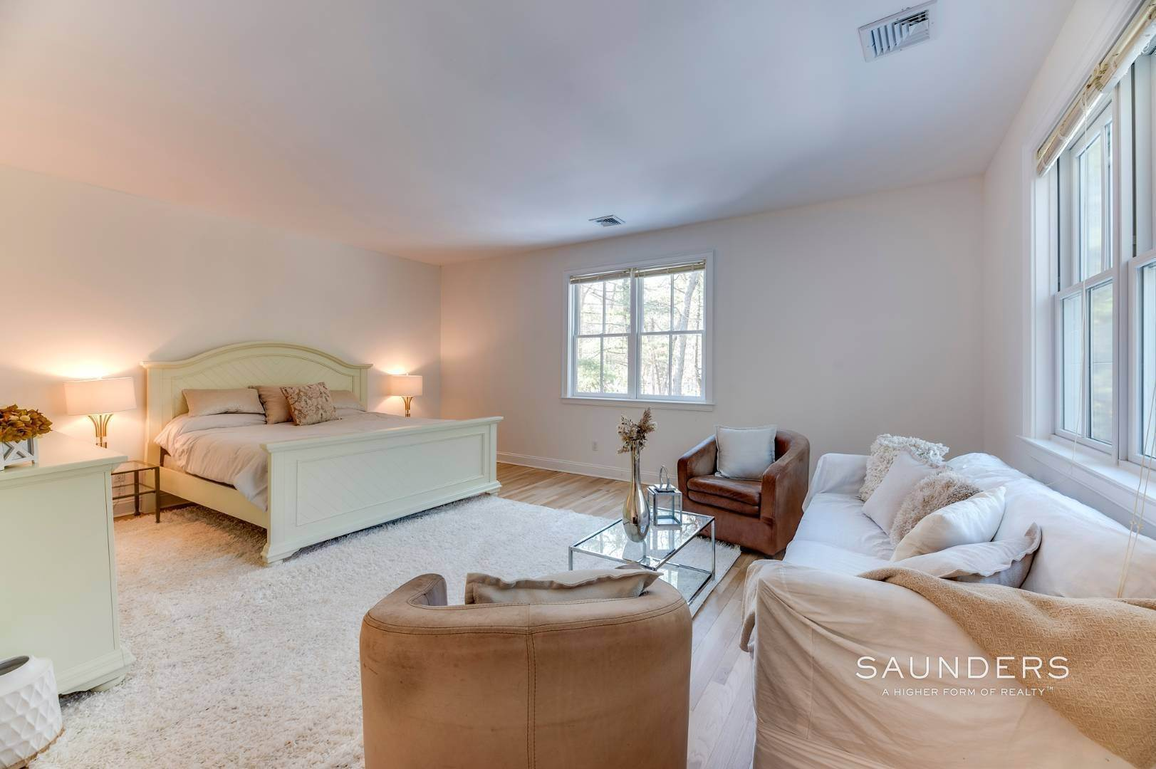 14. Single Family Homes for Sale at Expansive Private Retreat 225 Old Northwest Road, East Hampton, East Hampton Town, NY 11937