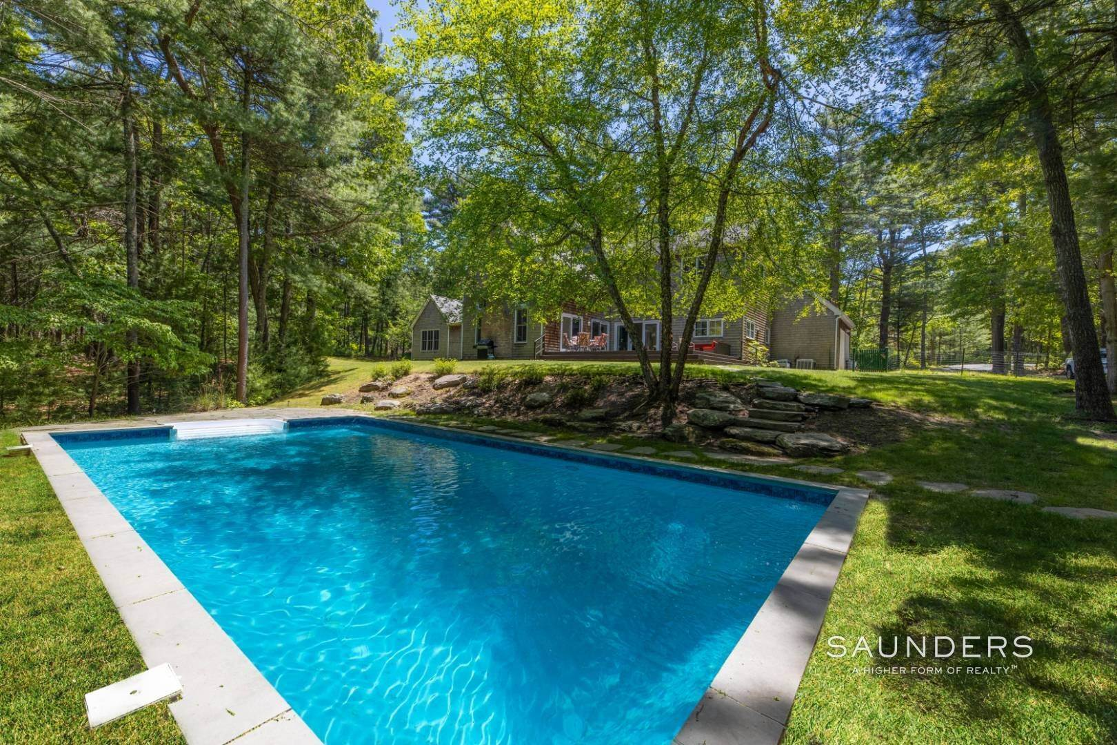 19. Single Family Homes for Sale at Expansive Private Retreat 225 Old Northwest Road, East Hampton, East Hampton Town, NY 11937