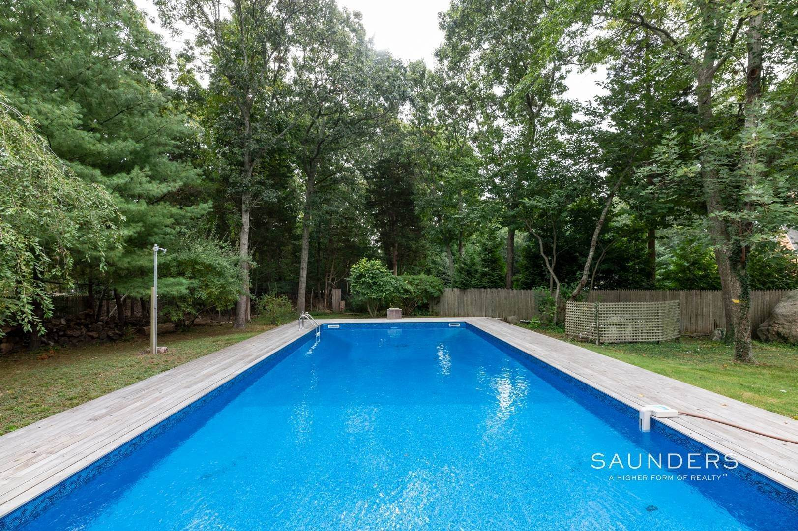 14. Single Family Homes at Charming Home With Heated Pool 221 Norfolk Dr, East Hampton, East Hampton Town, NY 11937