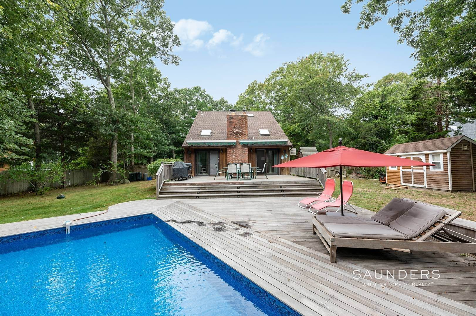 15. Single Family Homes at Charming Home With Heated Pool 221 Norfolk Dr, East Hampton, East Hampton Town, NY 11937