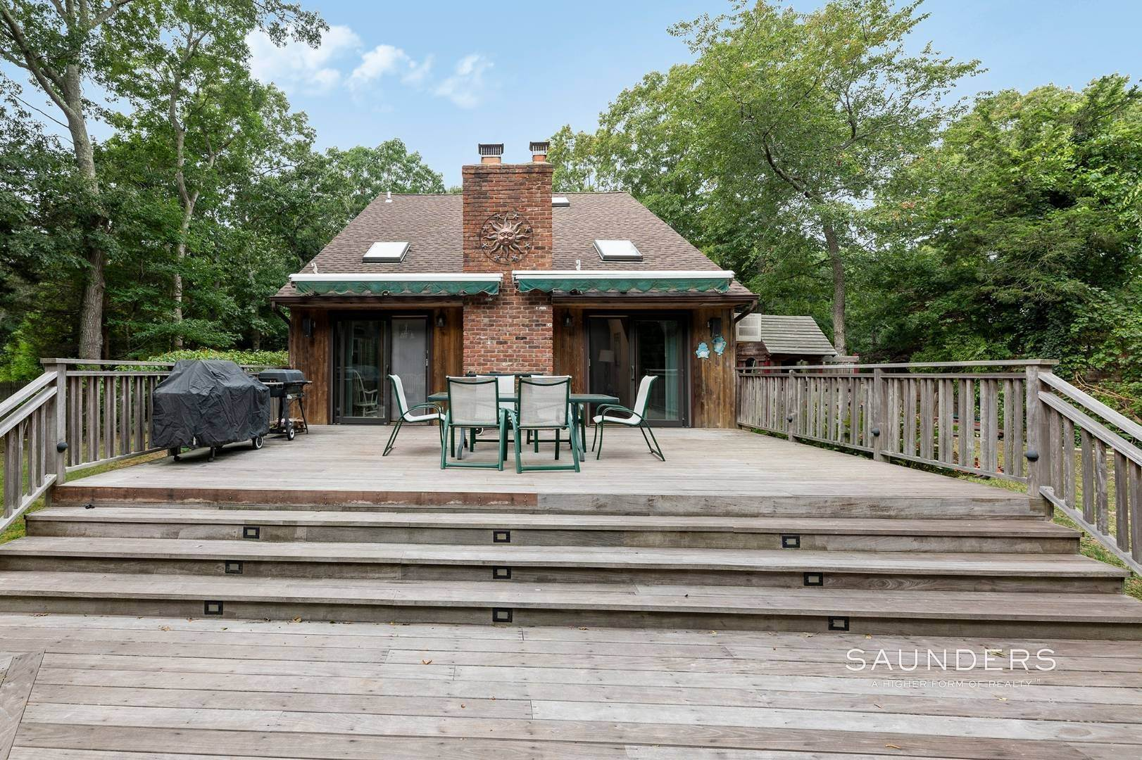 13. Single Family Homes at Charming Home With Heated Pool 221 Norfolk Dr, East Hampton, East Hampton Town, NY 11937