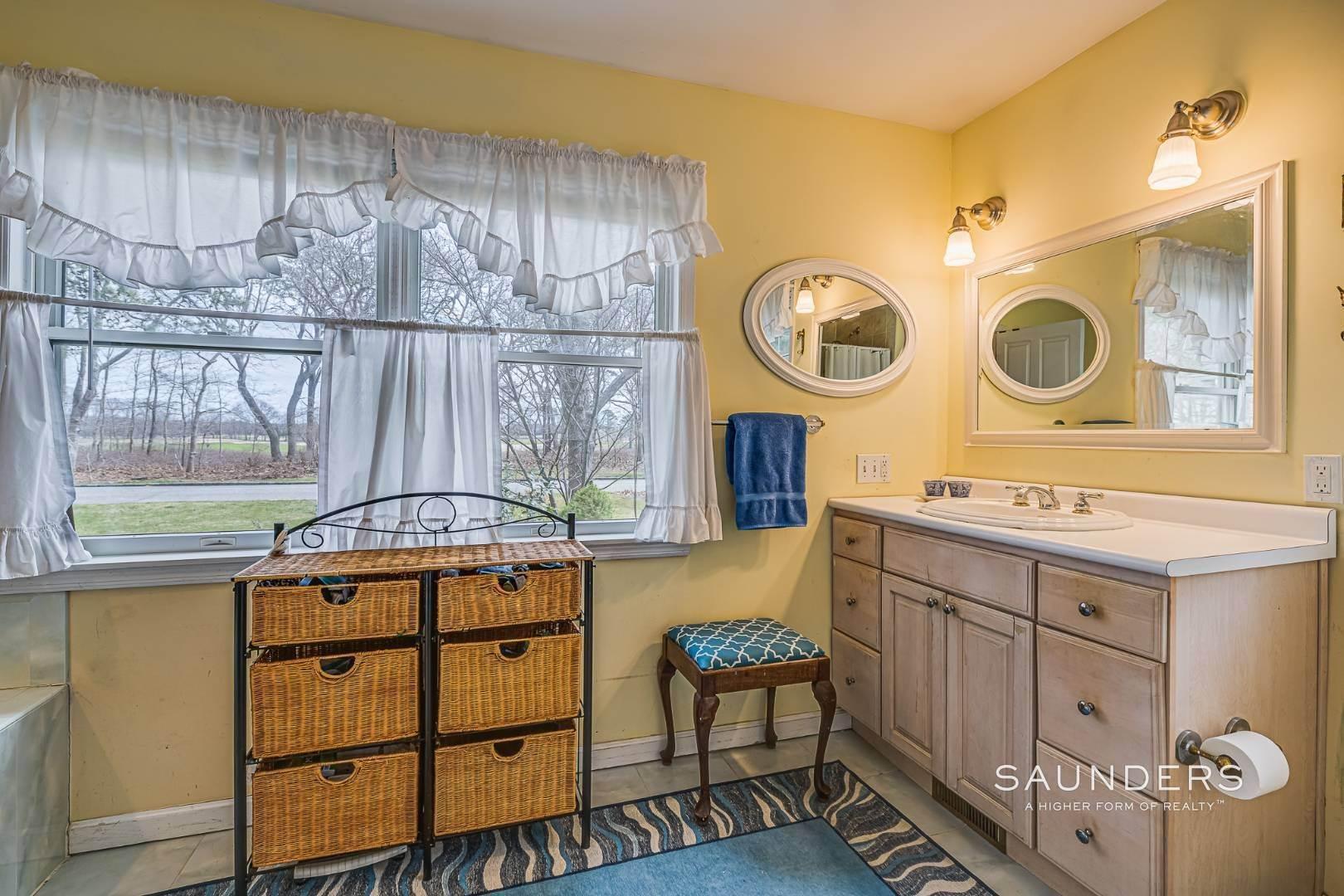 14. Single Family Homes for Sale at Southampton - Cold Spring Fairways 57 Spring Pond Lane, Southampton, Southampton Town, NY 11968