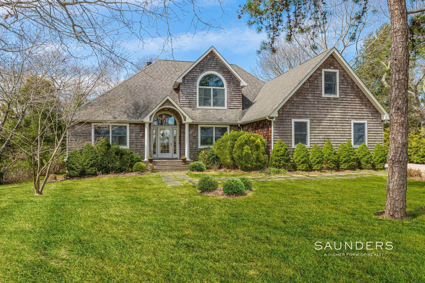 Single Family Homes for Sale at Southampton - Cold Spring Fairways 57 Spring Pond Lane, Southampton, Southampton Town, NY 11968