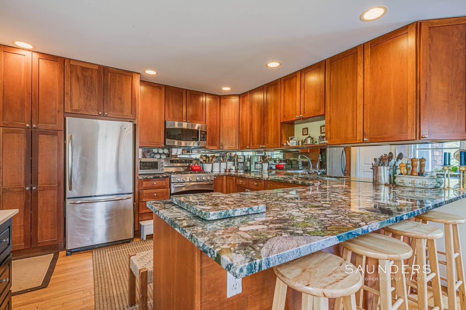 11. Single Family Homes for Sale at Southampton - Cold Spring Fairways 57 Spring Pond Lane, Southampton, Southampton Town, NY 11968