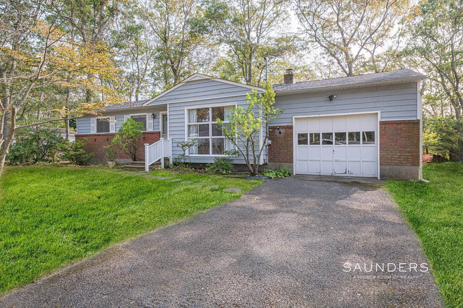 Single Family Homes for Sale at Desirable Tiana Shores Ranch Home With Great Potential 7 Cottage Lane, Hampton Bays, NY 11946