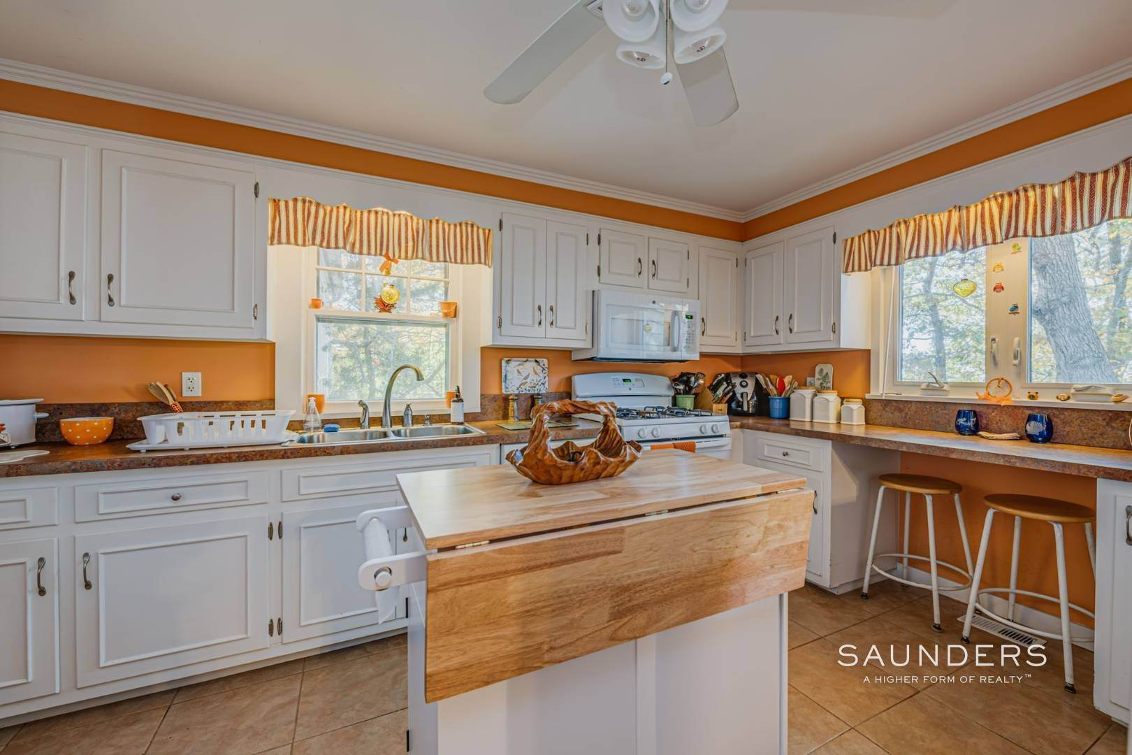 11. Single Family Homes for Sale at Red Cedar Point Waterfront 10 North Shore Road, Hampton Bays, Southampton Town, NY 11946