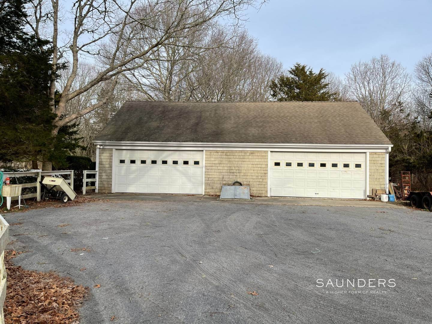 30. Single Family Homes for Sale at Prime 2.8 Acres In Sagaponack Village W/ Barn & Room For Tennis 44 Greenleaf Lane, Sagaponack Village, Southampton Town, NY 11962