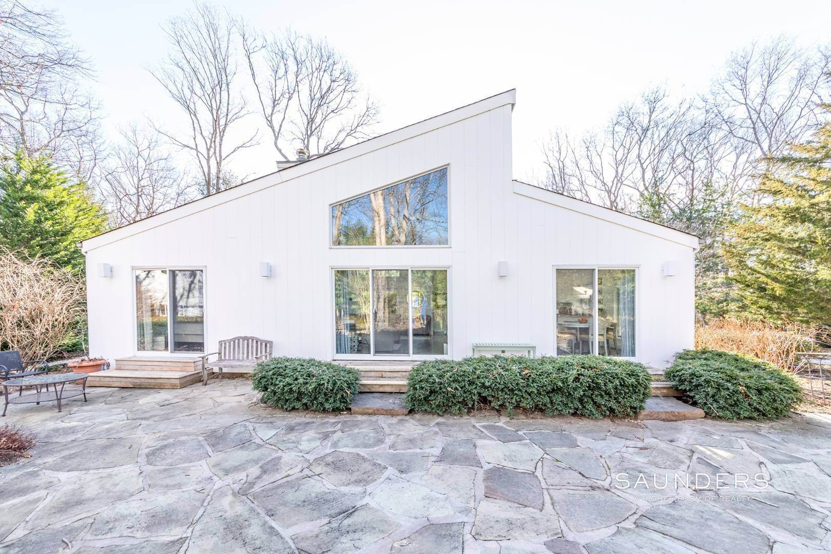 4. Single Family Homes for Sale at Artful East Hampton Postmodern 116 Sycamore Drive, East Hampton, East Hampton Town, NY 11937