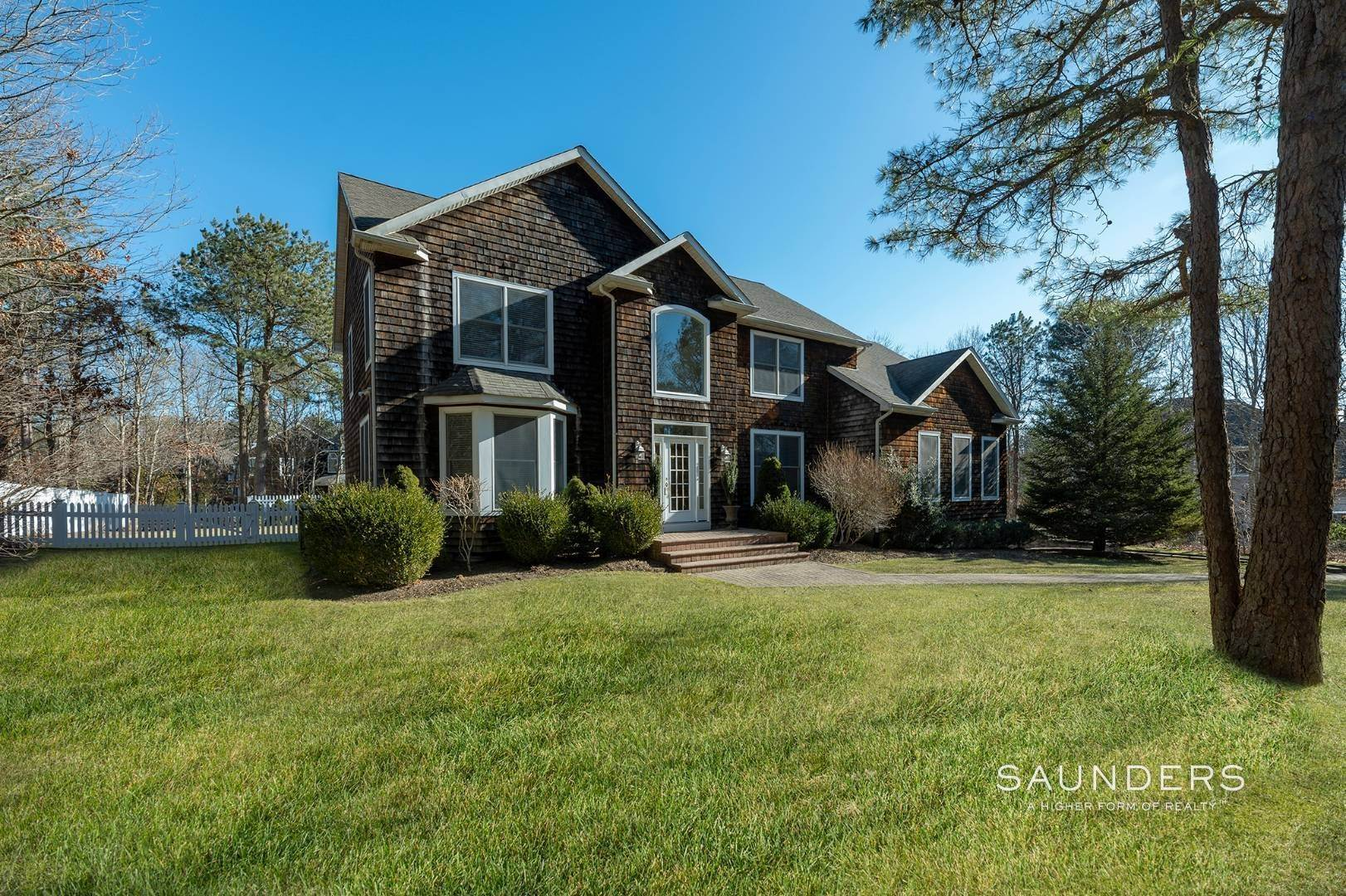 Single Family Homes for Sale at East Quogue Postmodern In Prestigious Southampton Pines 103 Corbett Drive, East Quogue, Southampton Town, NY 11942