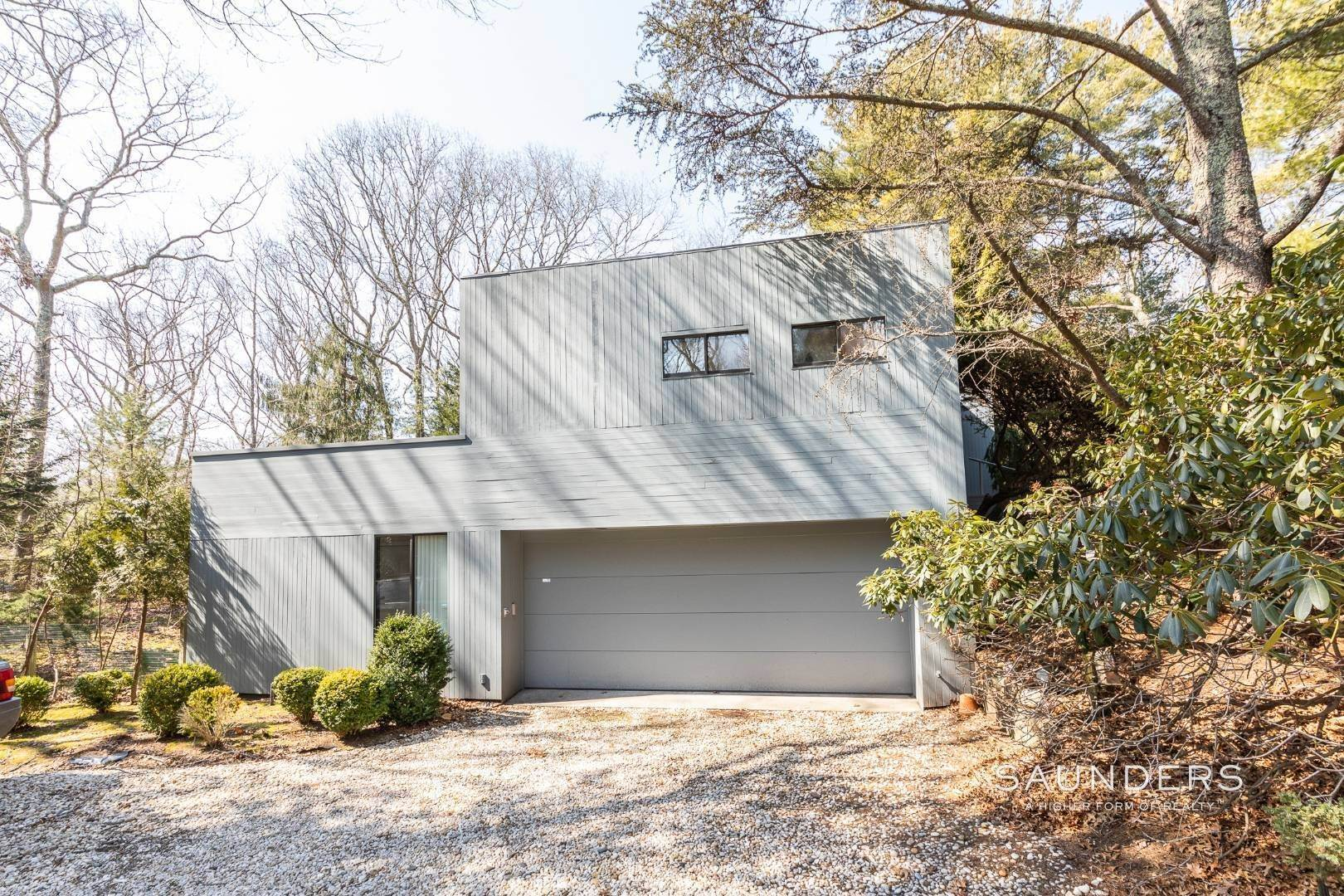 3. Single Family Homes for Sale at East Hampton 3.5 Acres 376 Stephen Hands Path, East Hampton, East Hampton Town, NY 11937