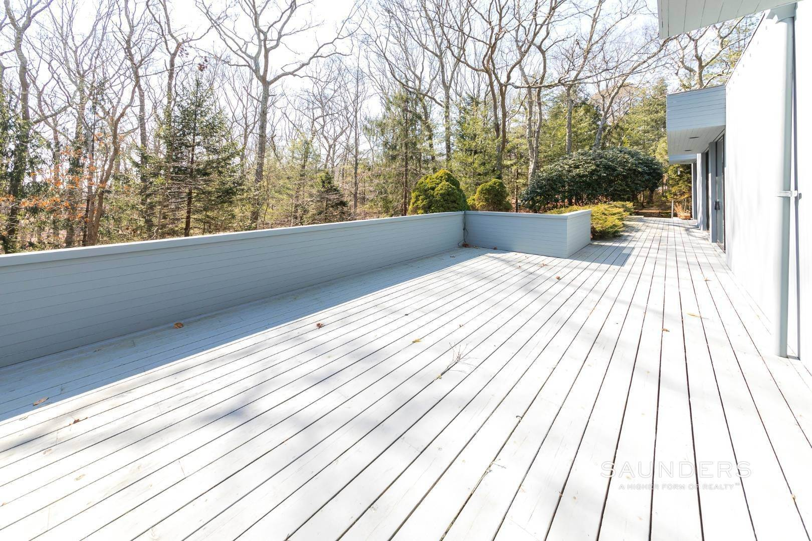 17. Single Family Homes for Sale at East Hampton 3.5 Acres 376 Stephen Hands Path, East Hampton, East Hampton Town, NY 11937