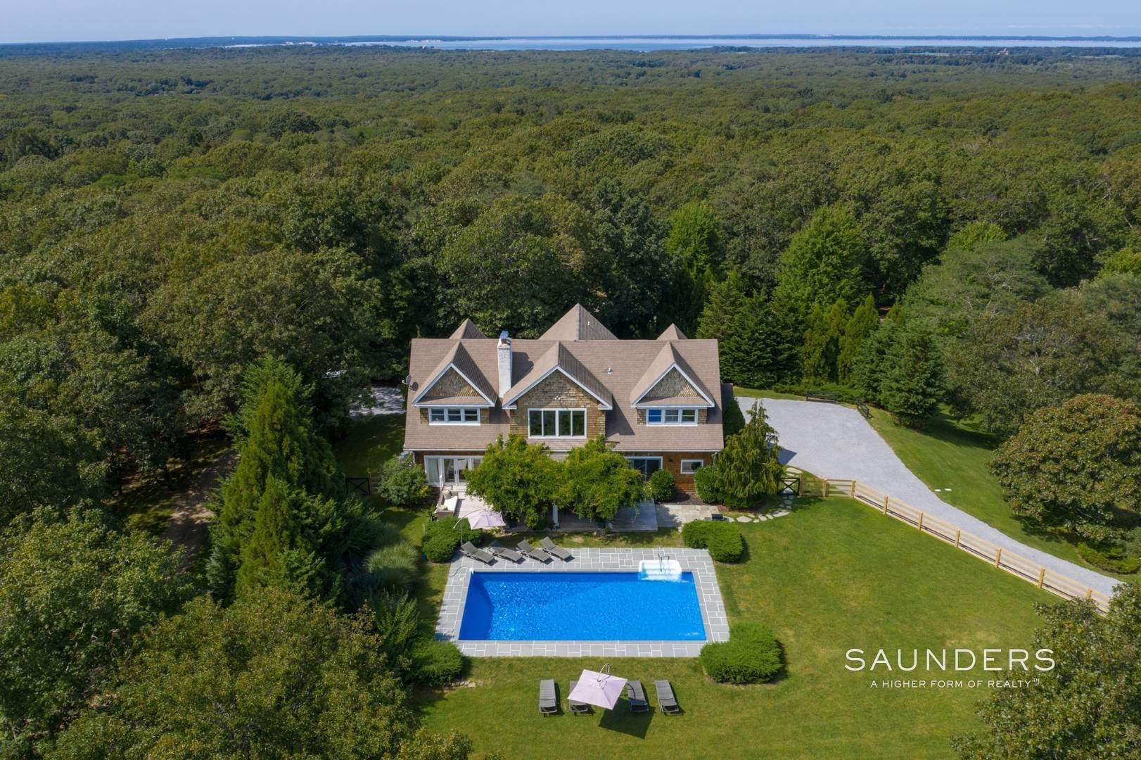24. Single Family Homes at Private Southampton Oasis Southampton, Southampton Town, NY 11968