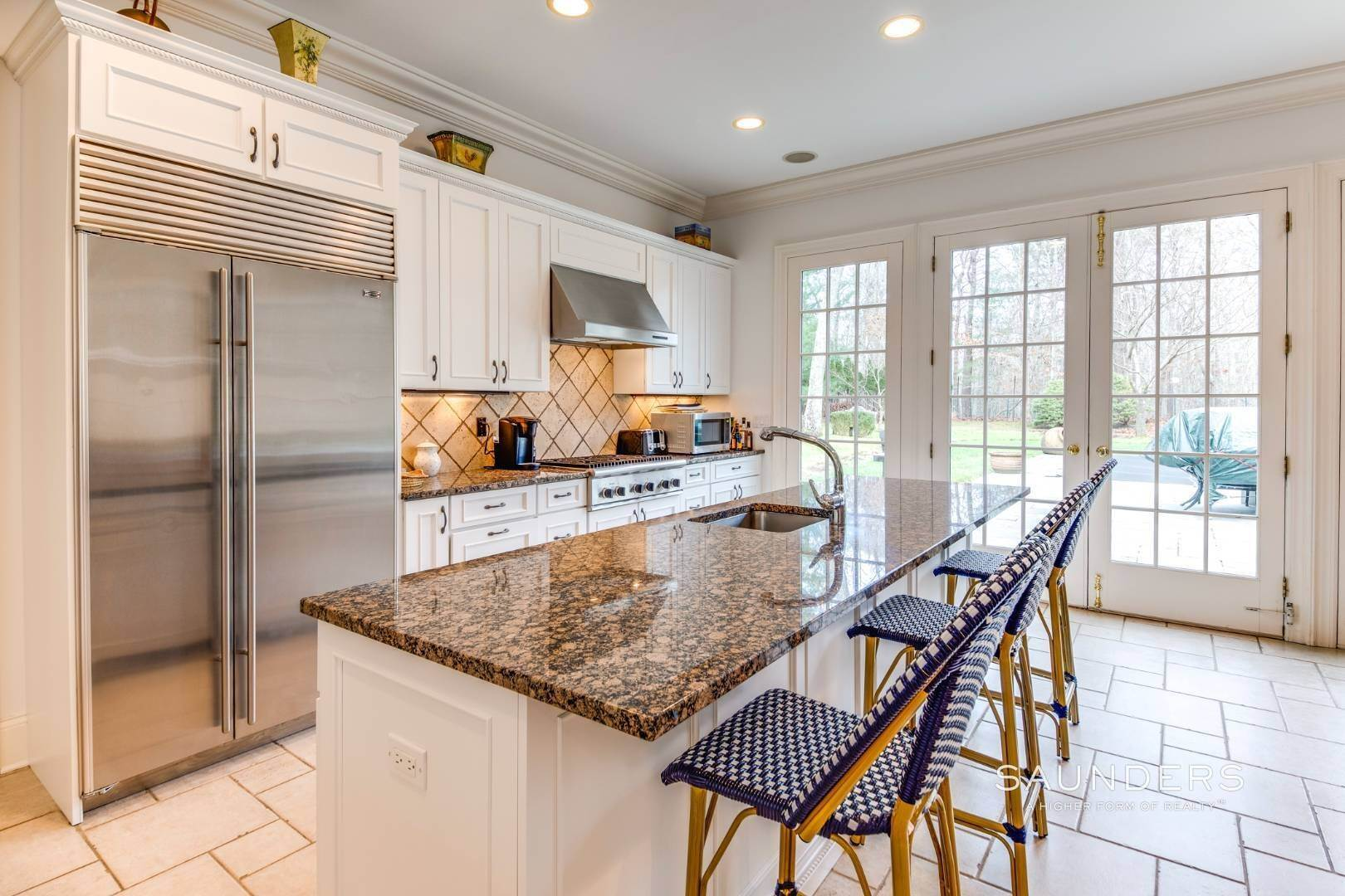 19. Single Family Homes for Sale at Builder's Own, Hamptons Traditional 33 Cedar Trails, East Hampton, East Hampton Town, NY 11937