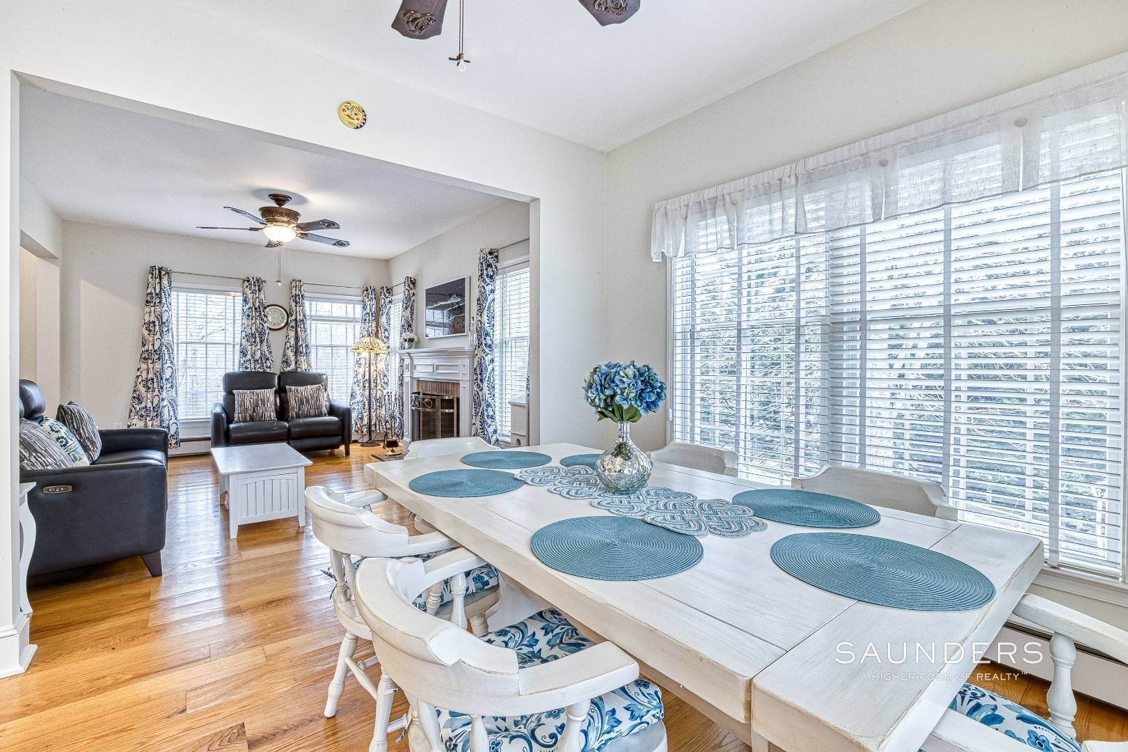 19. Single Family Homes for Sale at Shelter Island Tranquil Traditional With Pool Near Beach 25 Lakeview Drive, Shelter Island, NY 11964