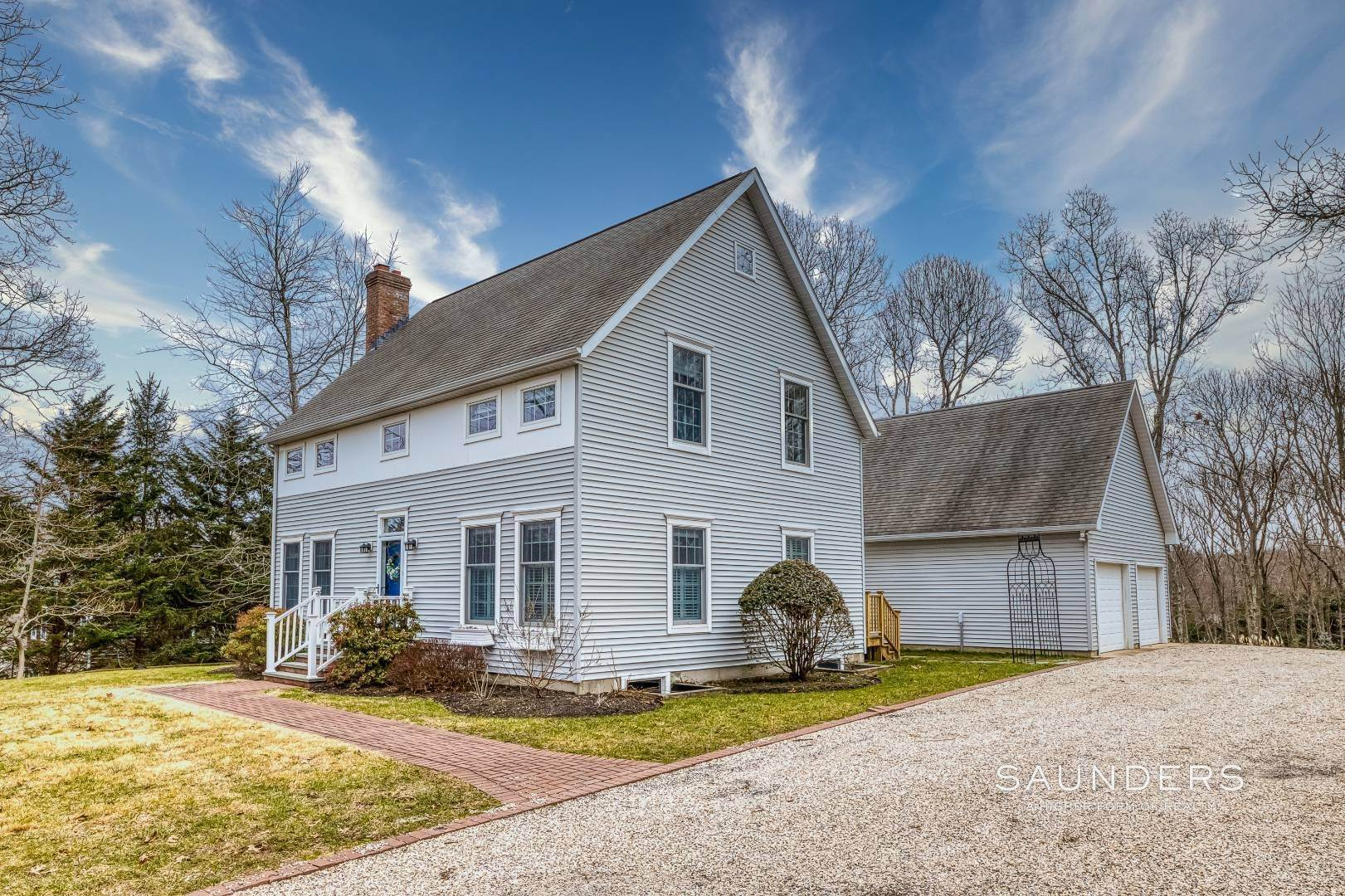 2. Single Family Homes for Sale at Shelter Island Tranquil Traditional With Pool Near Beach 25 Lakeview Drive, Shelter Island, NY 11964