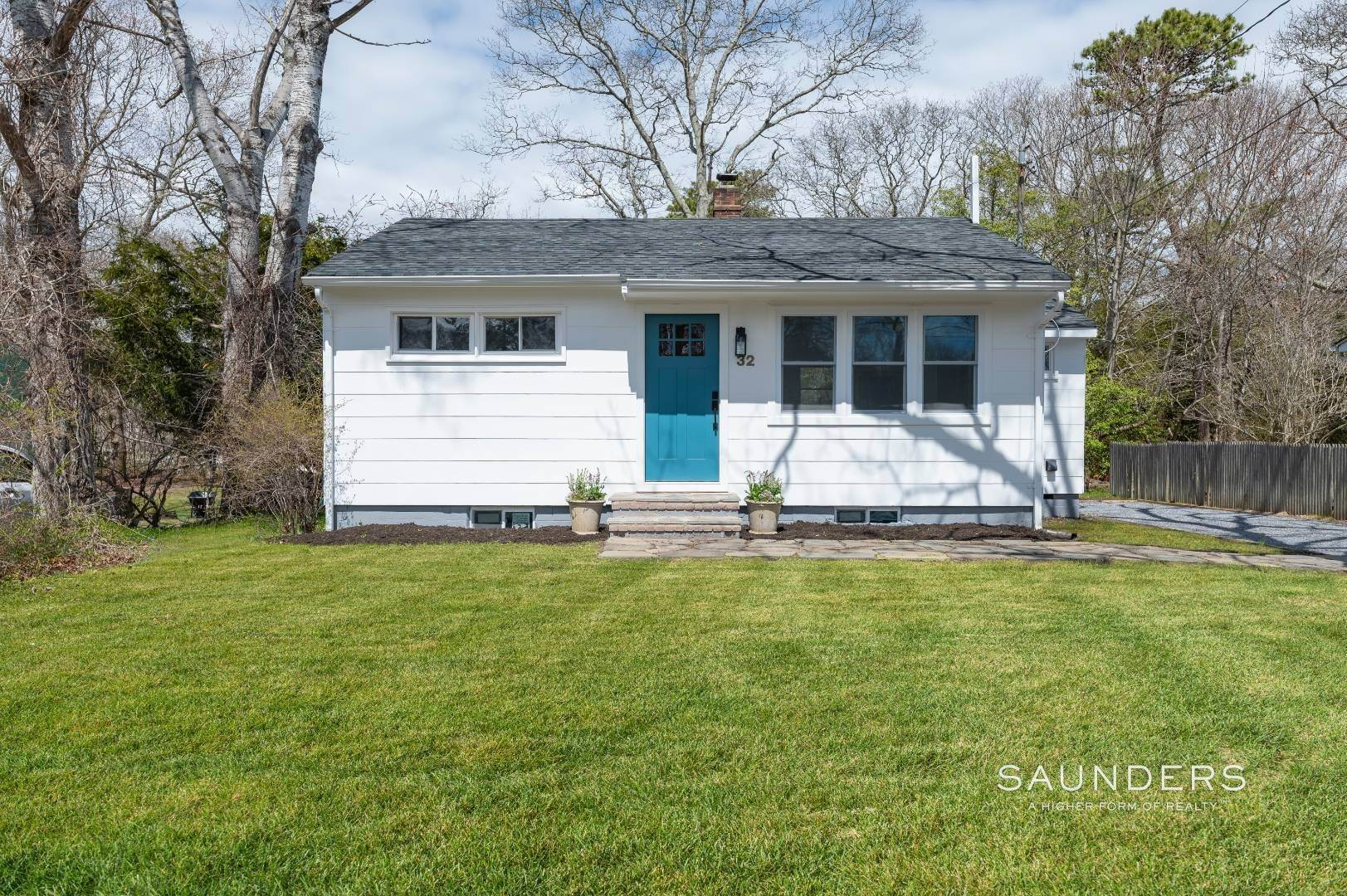 Single Family Homes for Sale at Newly Renovated Beach Cottage 32 Hampton Road, Hampton Bays, Southampton Town, NY 11946