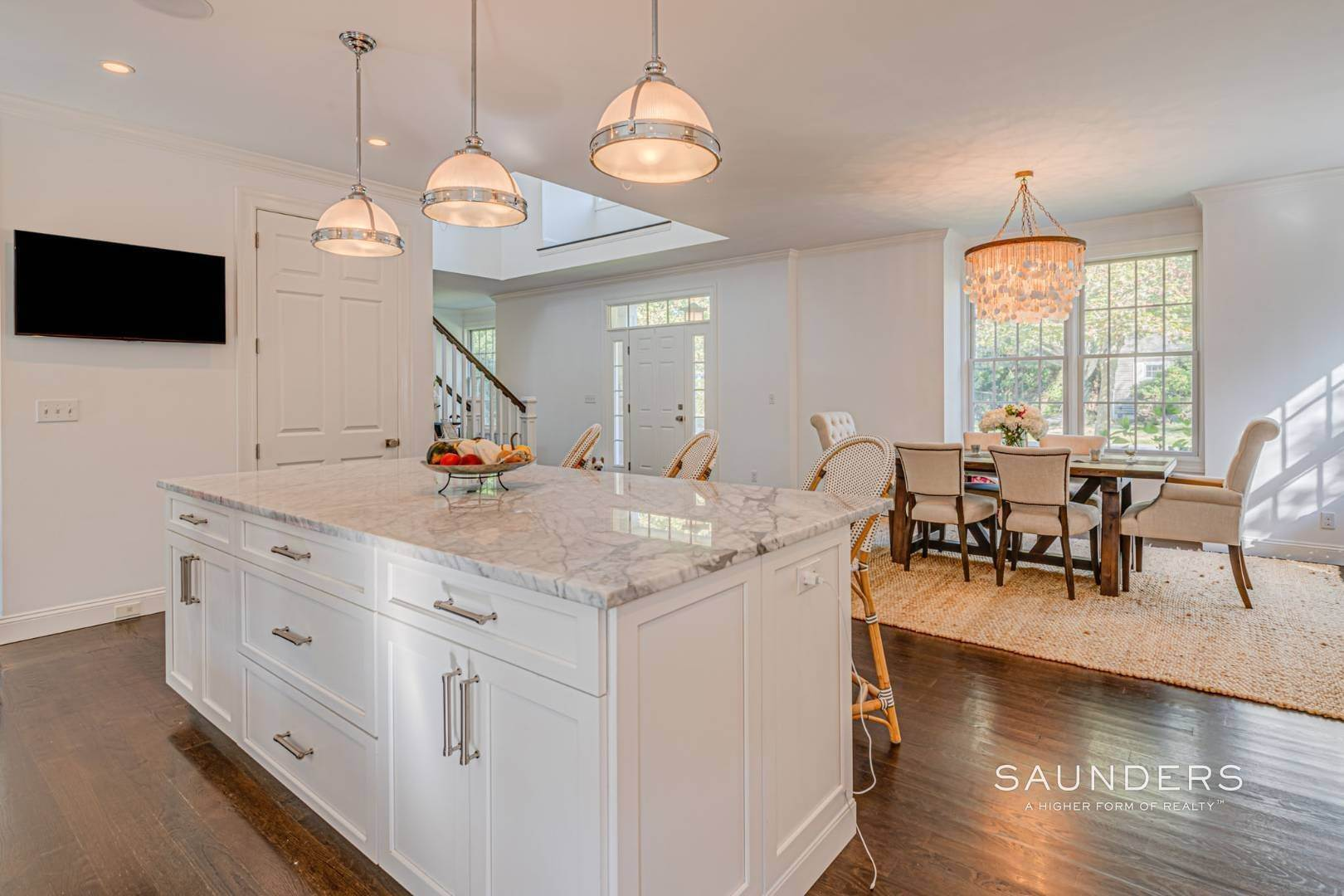 9. Single Family Homes for Sale at Southampton Village Gem 105 Henry Street, Southampton, Southampton Town, NY 11968