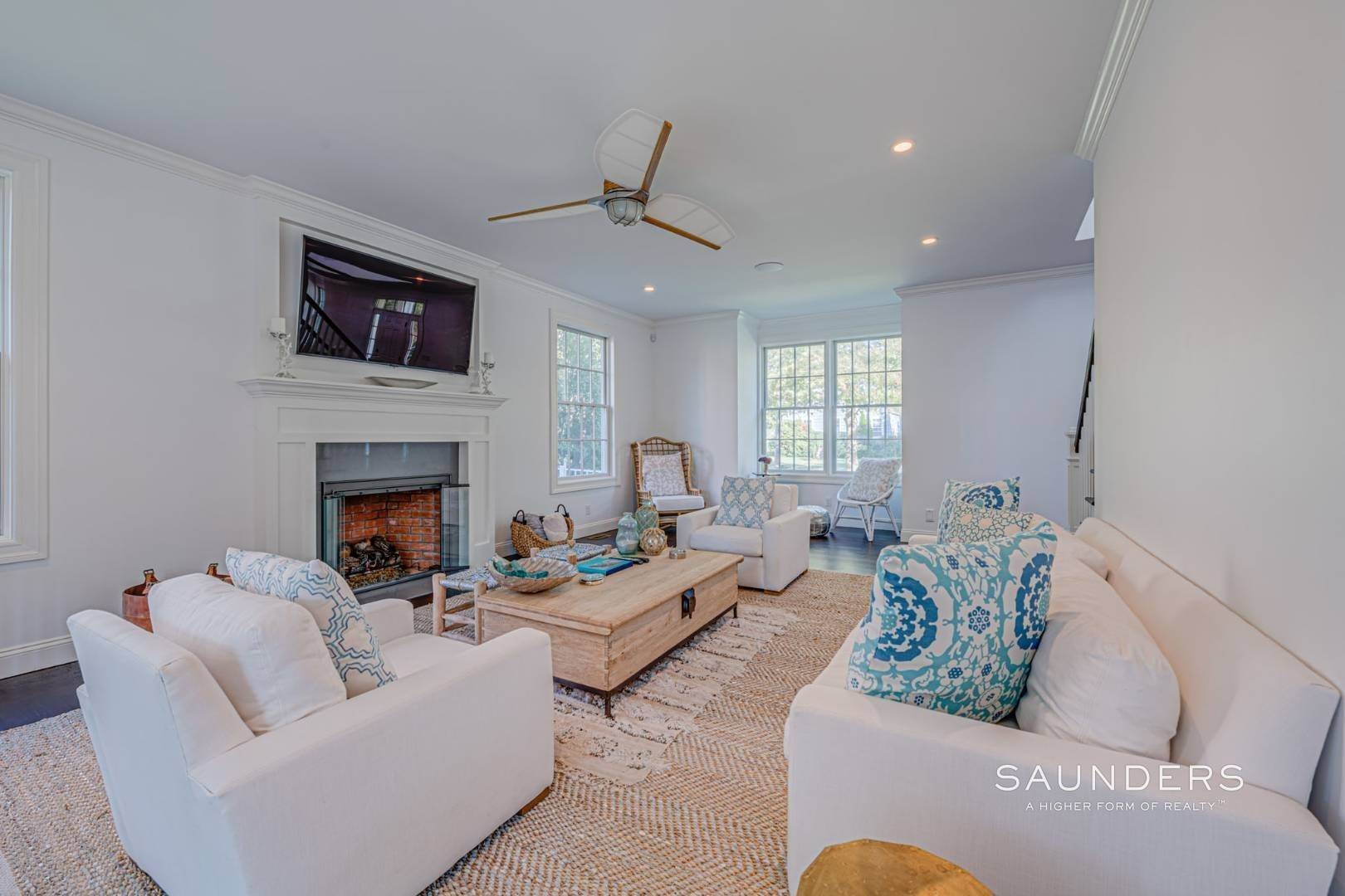 6. Single Family Homes for Sale at Southampton Village Gem 105 Henry Street, Southampton, Southampton Town, NY 11968