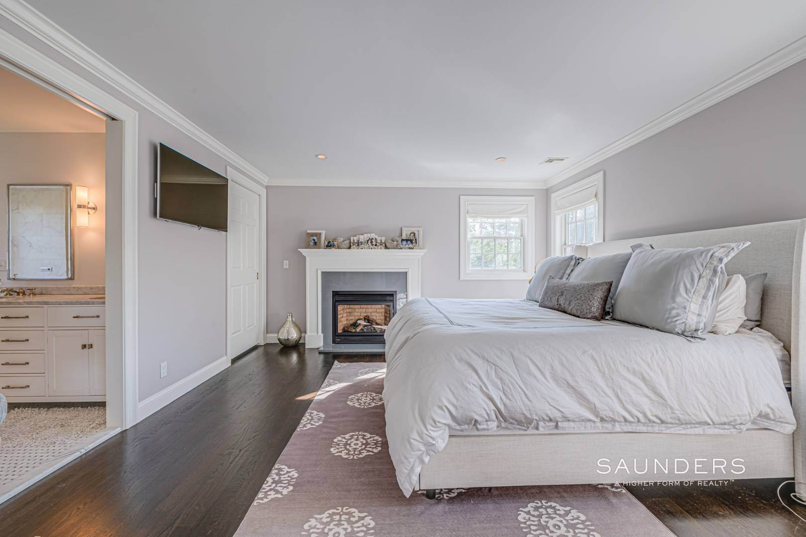 12. Single Family Homes for Sale at Southampton Village Gem 105 Henry Street, Southampton, Southampton Town, NY 11968