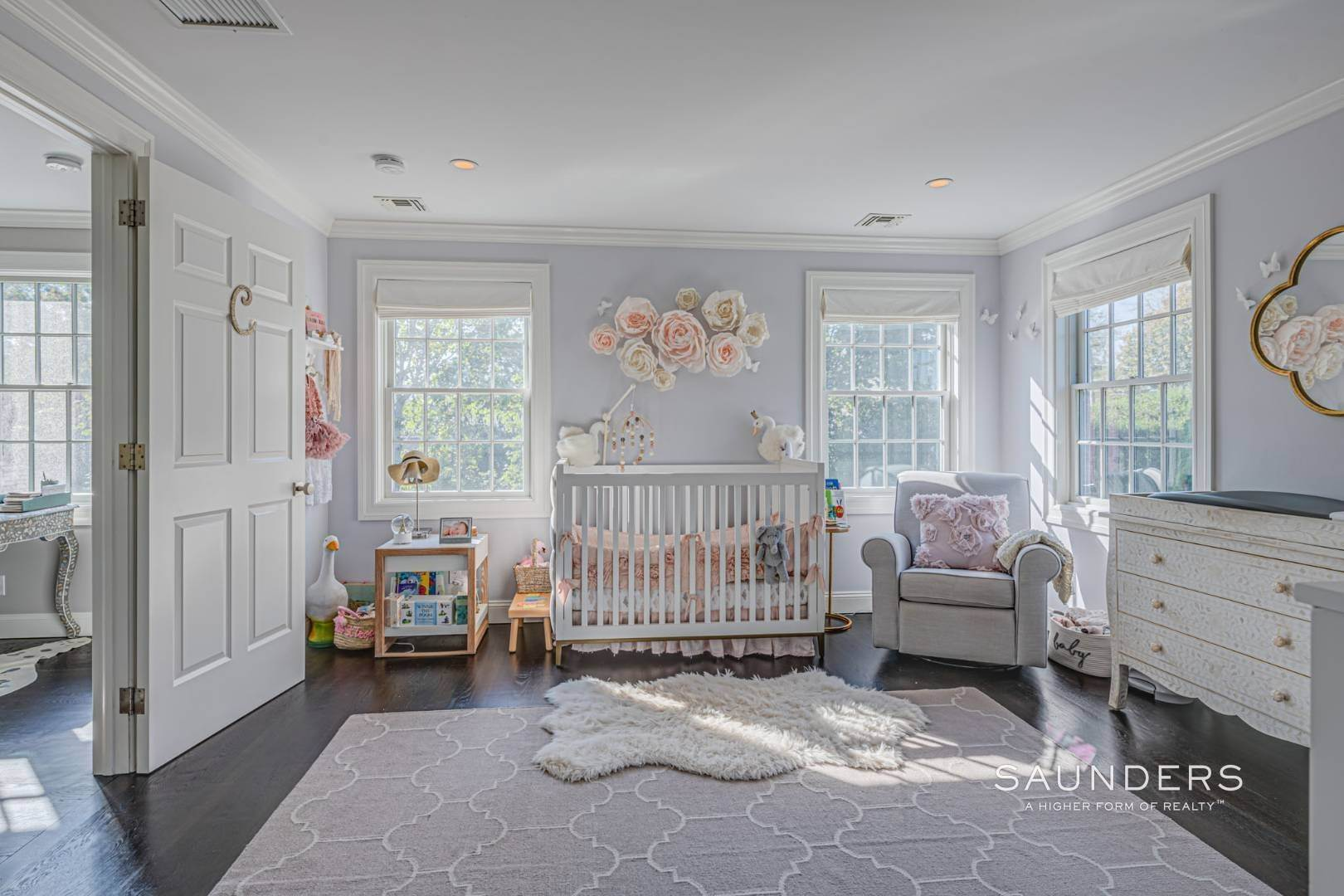 17. Single Family Homes for Sale at Southampton Village Gem 105 Henry Street, Southampton, Southampton Town, NY 11968
