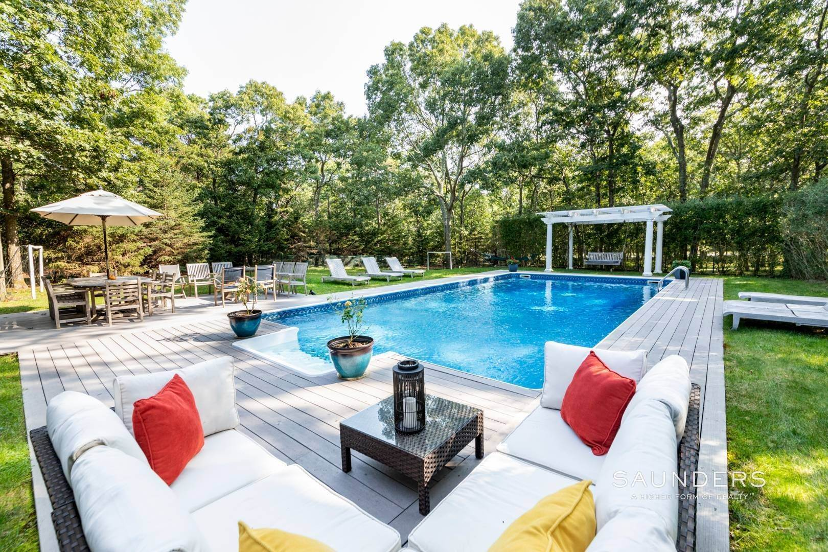 25. Single Family Homes for Sale at Impeccable & Beautiful In East Hampton With Pool, Gym And More 413 Hands Creek Road, East Hampton, East Hampton Town, NY 11937
