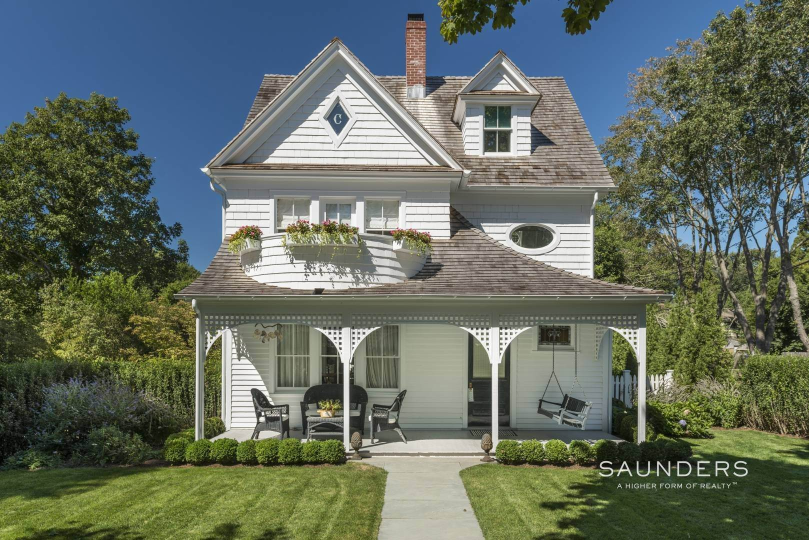 Single Family Homes for Sale at The Conklin House Amagansett 327 Main Street, Amagansett, East Hampton Town, NY 11930