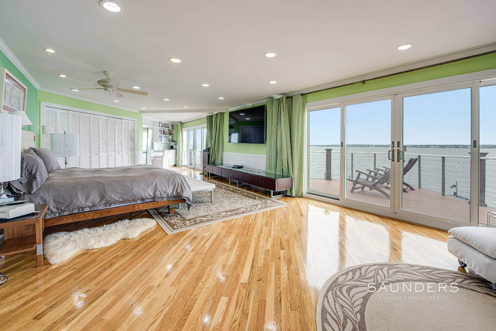 16. Single Family Homes for Sale at Bayfront Paradise 570 Dune Road, Westhampton, Southampton Town, NY 11977