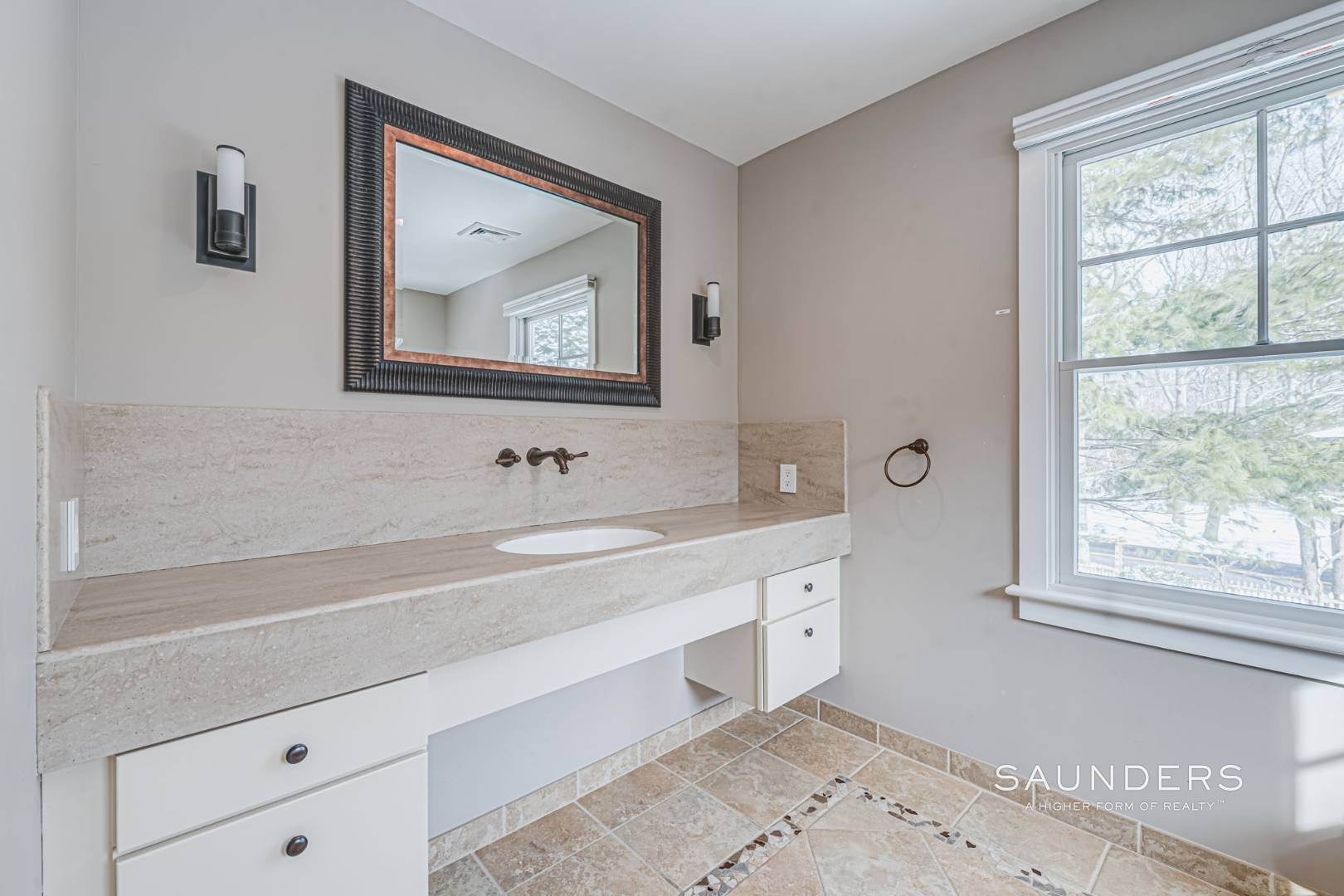 20. Single Family Homes for Sale at Modern Country Beach Vibe Turnkey In Watermill 331 Seven Ponds Towd Road, Water Mill, Southampton Town, NY 11976