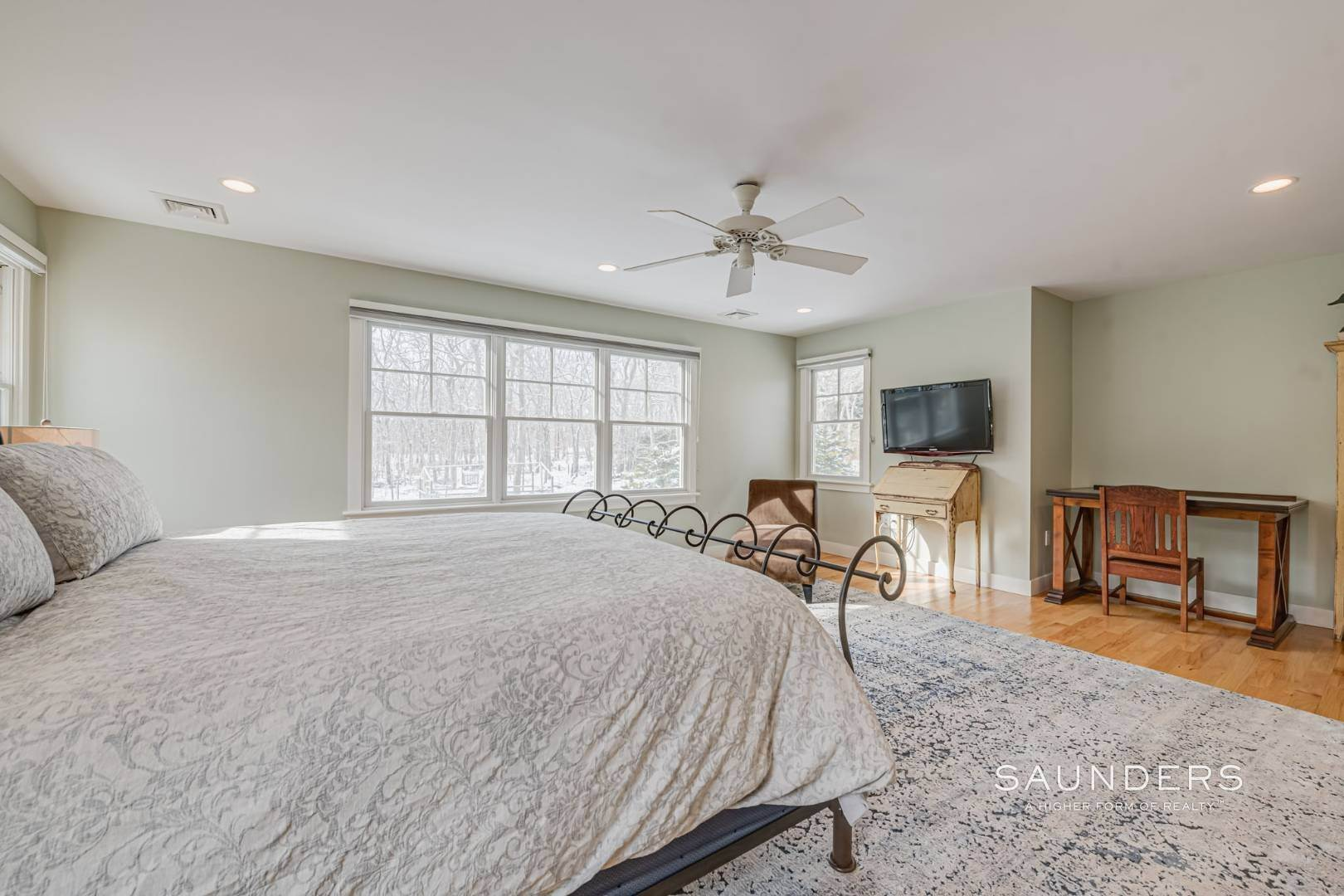17. Single Family Homes for Sale at Modern Country Beach Vibe Turnkey In Watermill 331 Seven Ponds Towd Road, Water Mill, Southampton Town, NY 11976