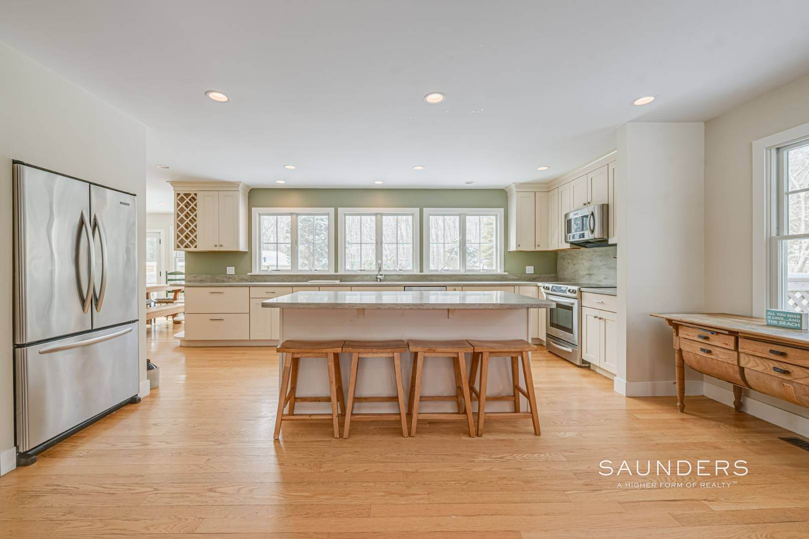 9. Single Family Homes for Sale at Modern Country Beach Vibe Turnkey In Watermill 331 Seven Ponds Towd Road, Water Mill, Southampton Town, NY 11976