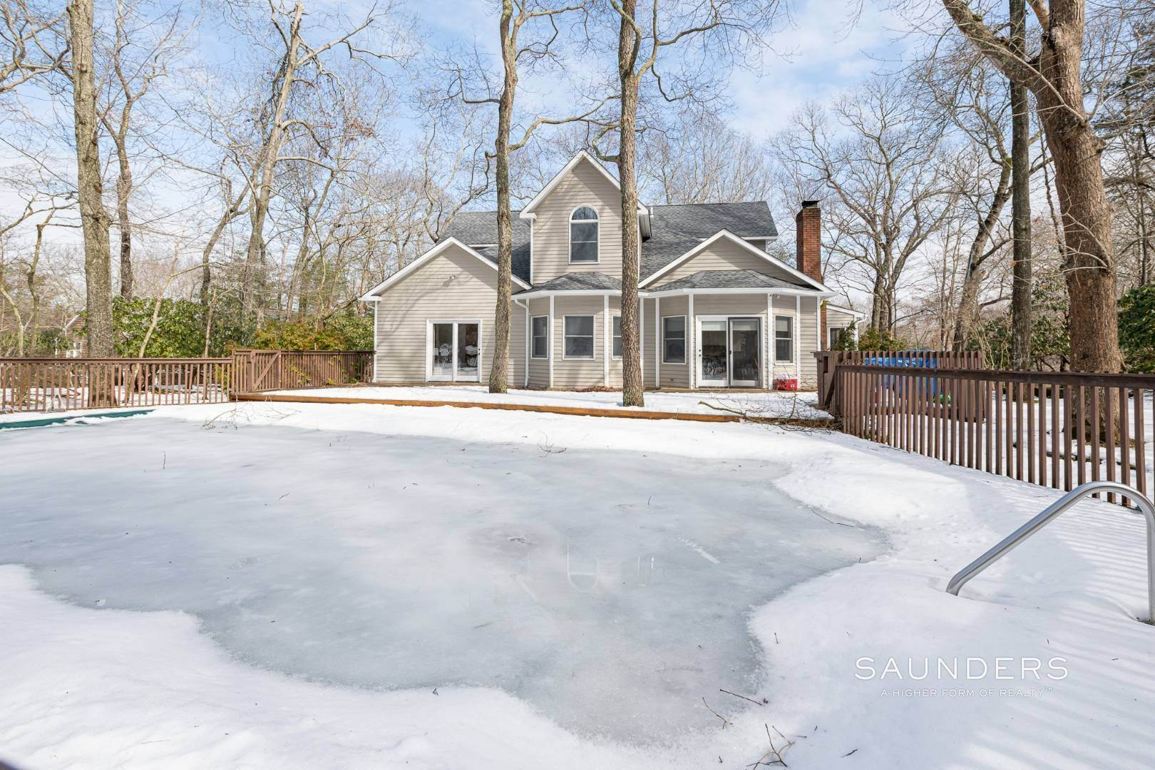 16. Single Family Homes for Sale at Sag Harbor Hamptons Retreat With Heated Pool 230 Northside Drive, Sag Harbor, Southampton Town, NY 11963