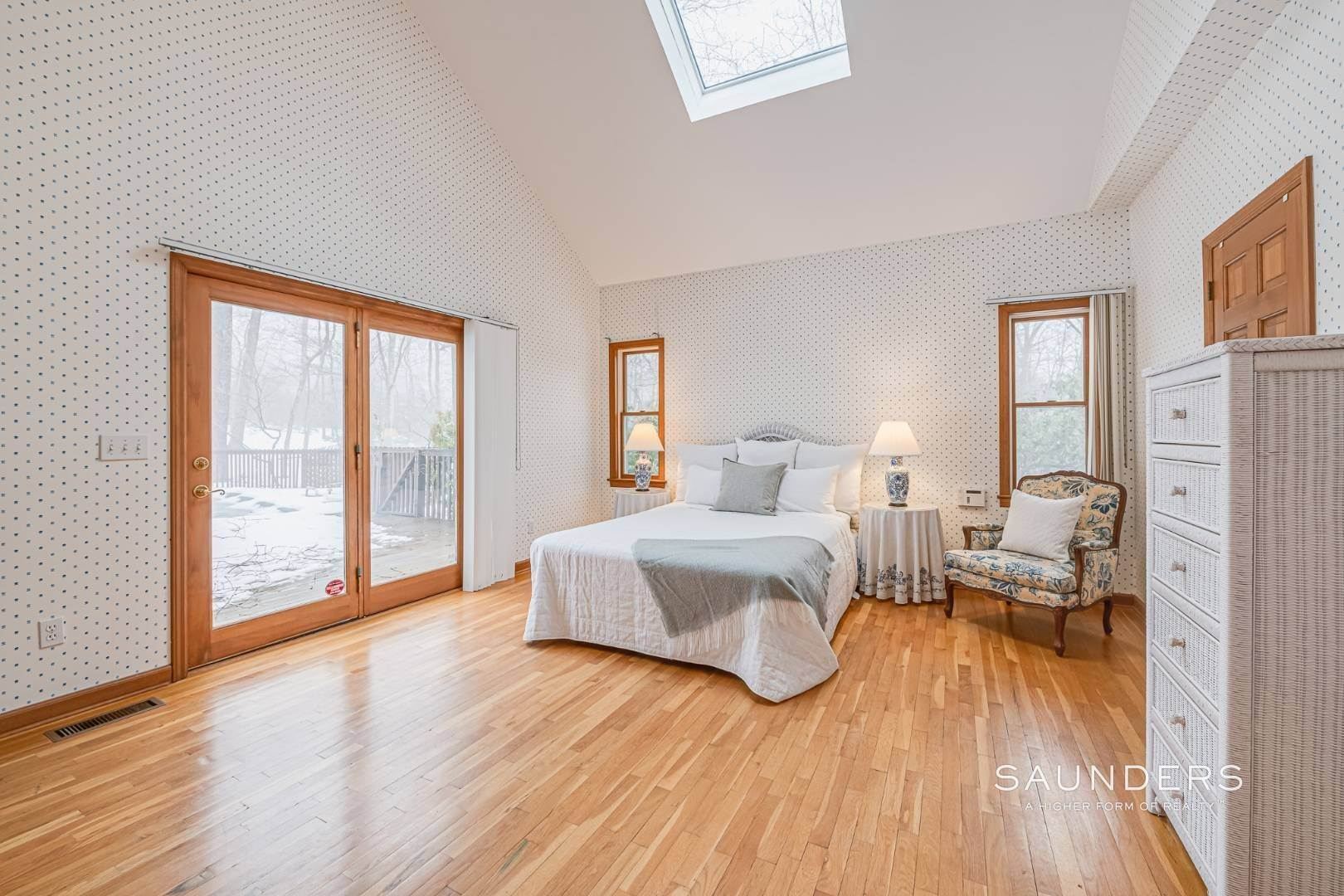 7. Single Family Homes for Sale at Sag Harbor Hamptons Retreat With Heated Pool 230 Northside Drive, Sag Harbor, Southampton Town, NY 11963