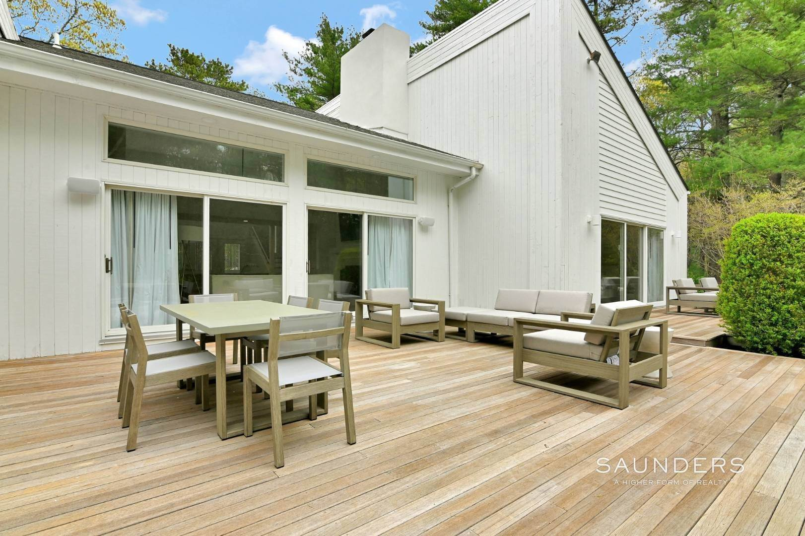 4. Single Family Homes at Chic And Stylish Newly Renovated Modern In East Hampton 6 Bull Path, East Hampton, East Hampton Town, NY 11937