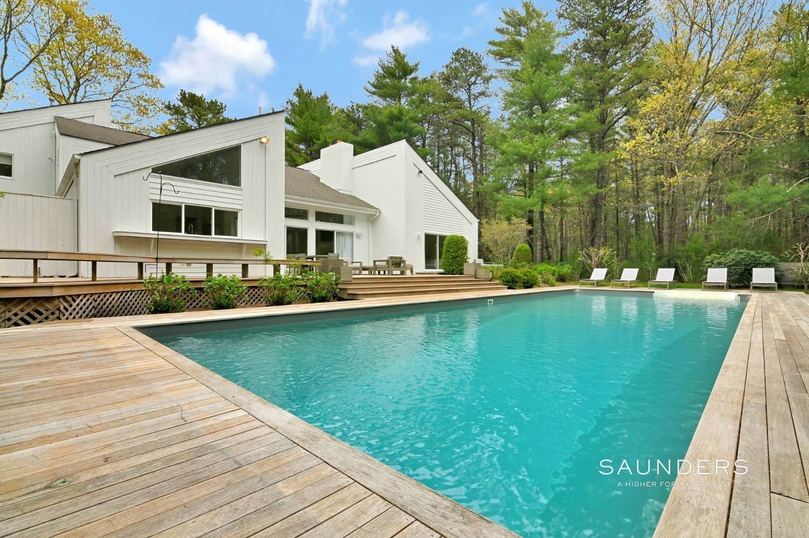 3. Single Family Homes at Chic And Stylish Newly Renovated Modern In East Hampton 6 Bull Path, East Hampton, East Hampton Town, NY 11937