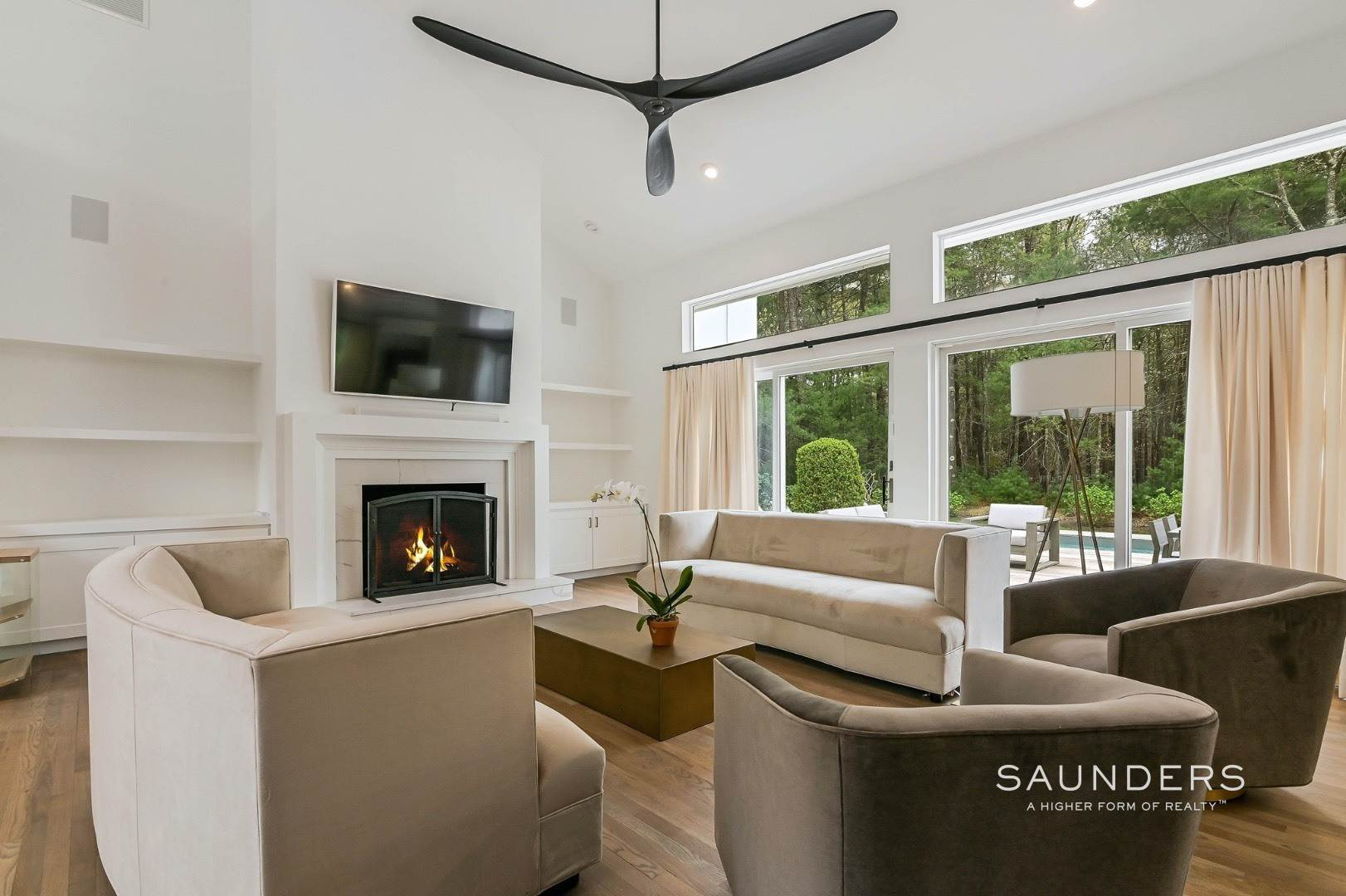 5. Single Family Homes at Chic And Stylish Newly Renovated Modern In East Hampton 6 Bull Path, East Hampton, East Hampton Town, NY 11937