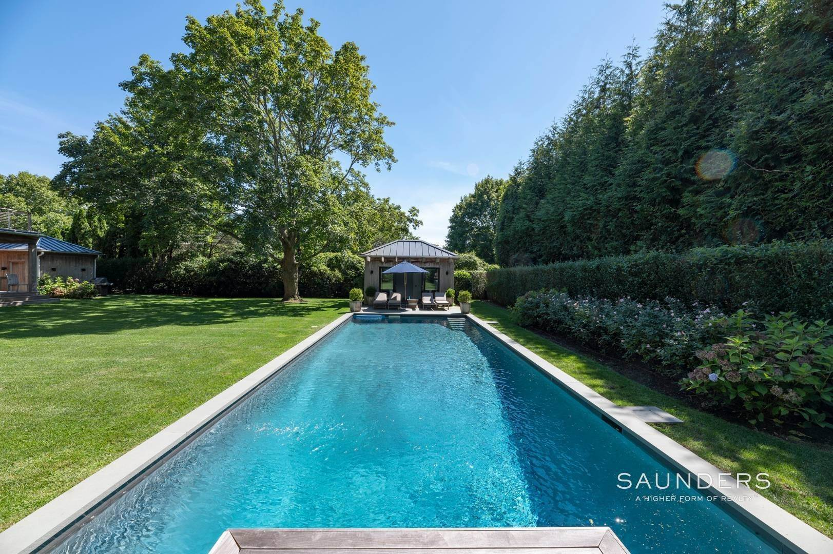25. Single Family Homes for Sale at European Chic In Bridgehampton South 139 Hildreth Avenue - 20 Audubon Avenue, Bridgehampton, Southampton Town, NY 11937