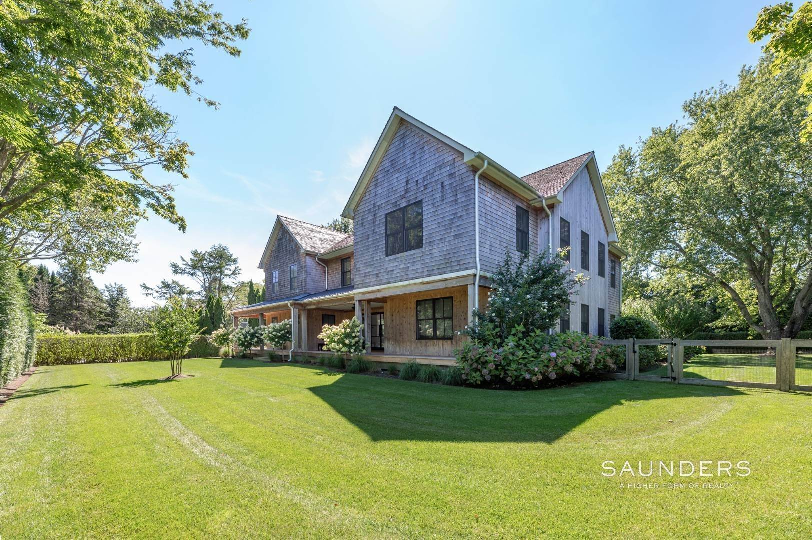 4. Single Family Homes for Sale at European Chic In Bridgehampton South 139 Hildreth Avenue - 20 Audubon Avenue, Bridgehampton, Southampton Town, NY 11937
