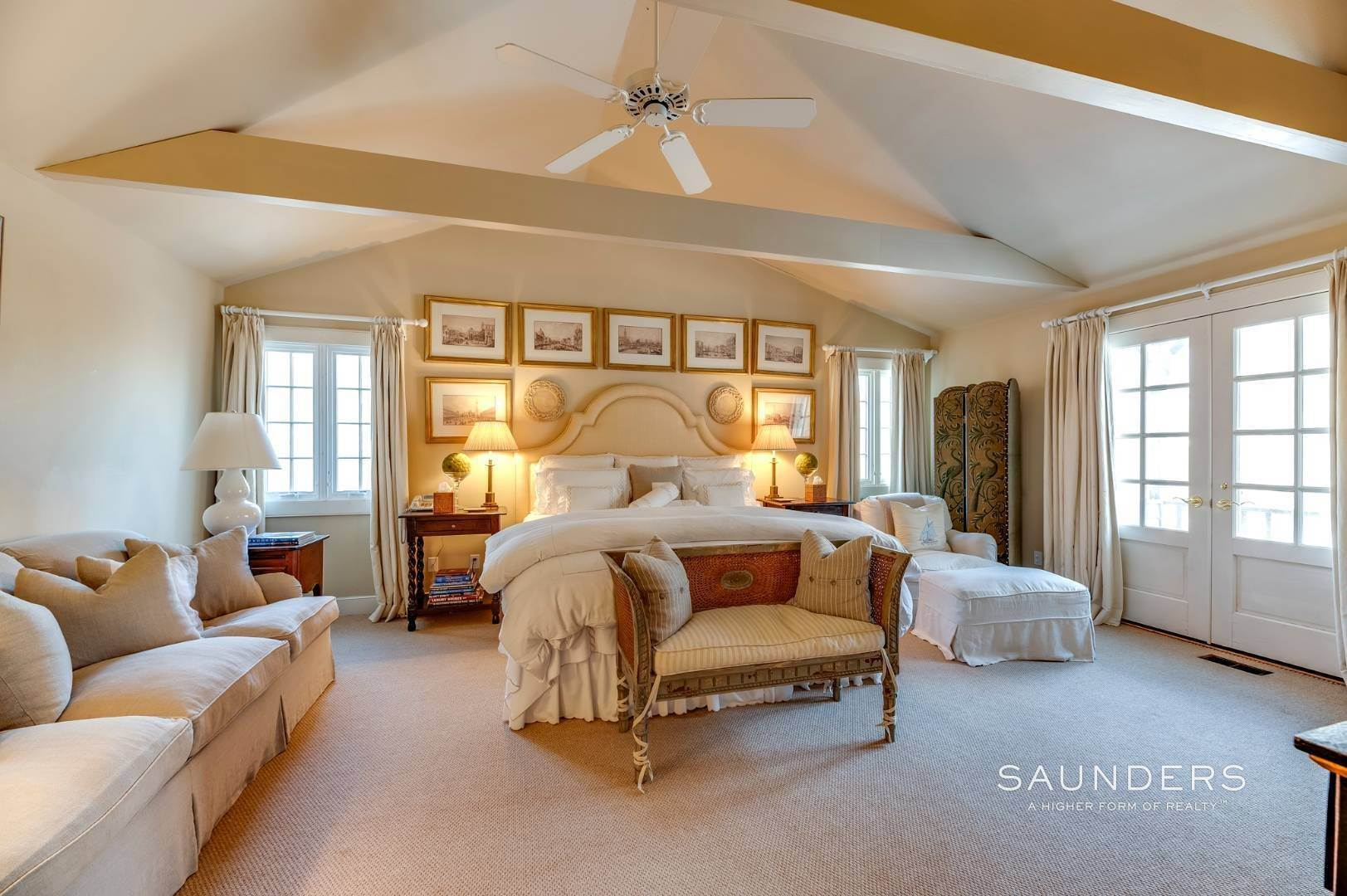 13. Single Family Homes for Sale at Expansive Sagaponack Home With Room For Pool And Tennis 788 Sagg Road, Sagaponack, Southampton Town, NY 11962
