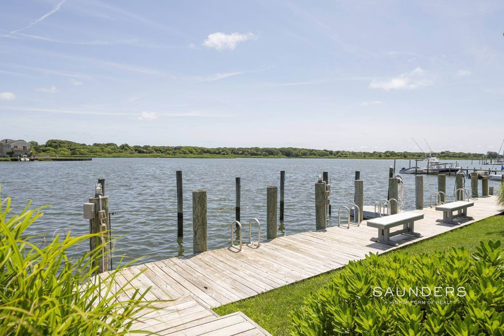 12. Co-op Properties for Sale at Boaters Dream In Prisitne Condition Comes With Deepwater Dock 30 Little Neck Road, #19, Southampton, Southampton Town, NY 11968