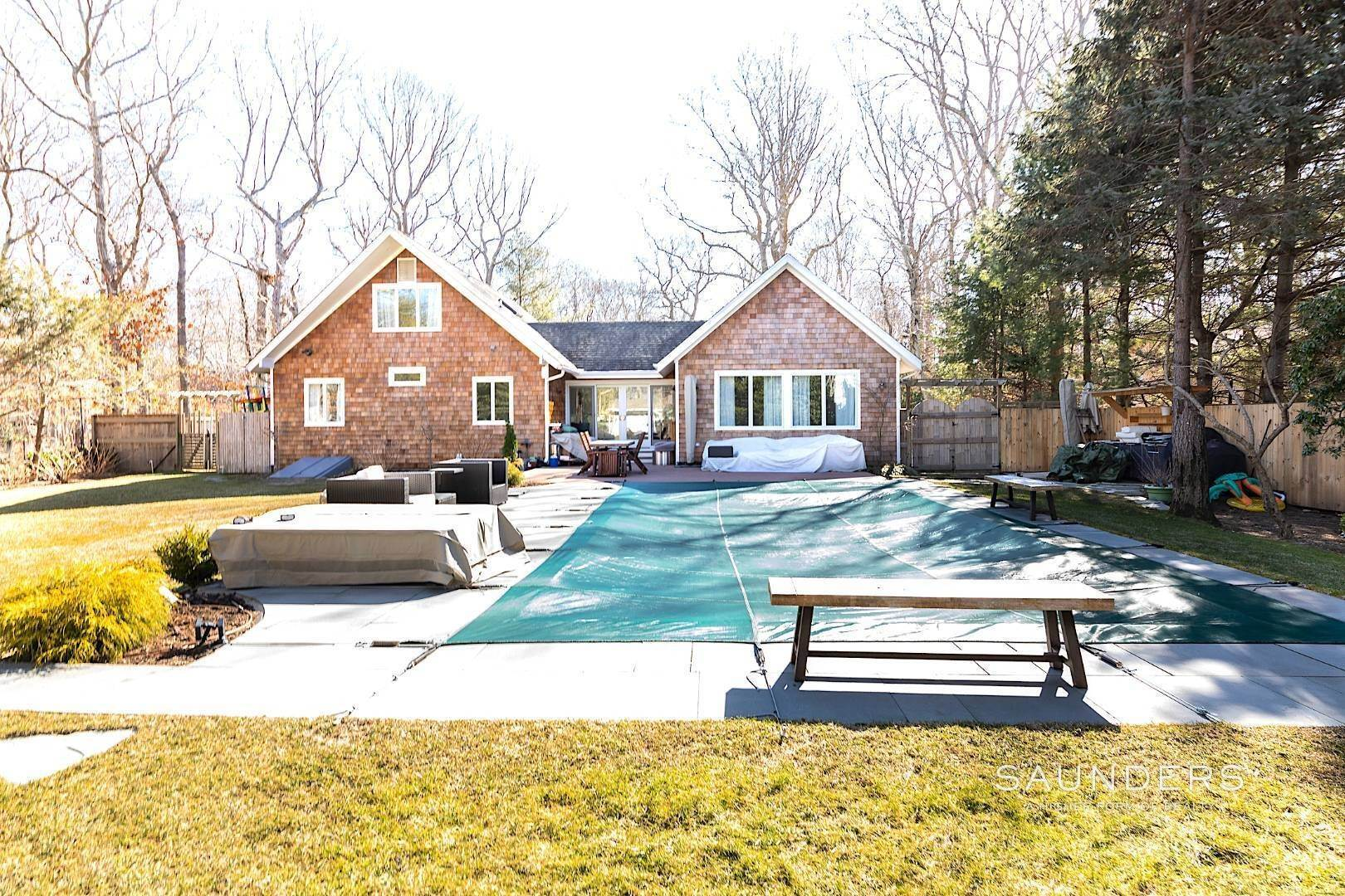 23. Single Family Homes for Sale at Clearwater Modern 5 Dorset Road, East Hampton, East Hampton Town, NY 11937