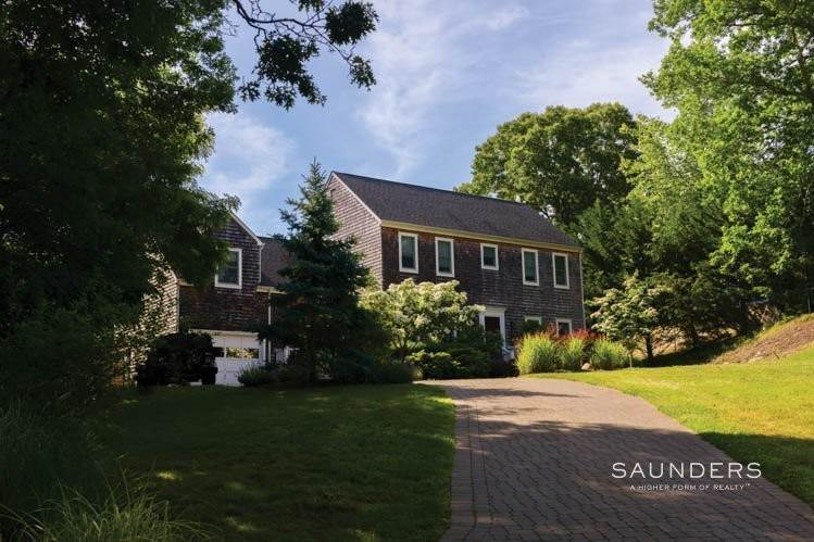 32. Single Family Homes for Sale at Shelter Island Tranquility With Pool 23 Lakeview Drive, Shelter Island, NY 11964