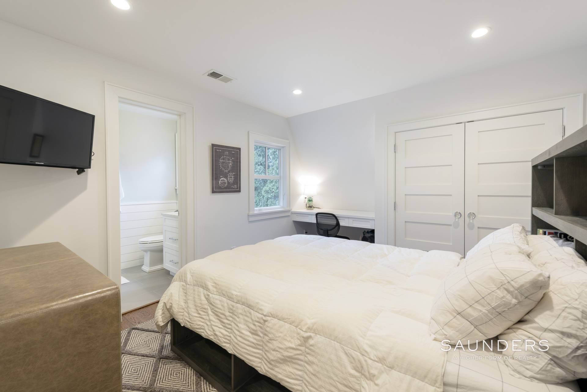 20. Single Family Homes at Modern Update In A Prime Location East Hampton, East Hampton Town, NY 11937