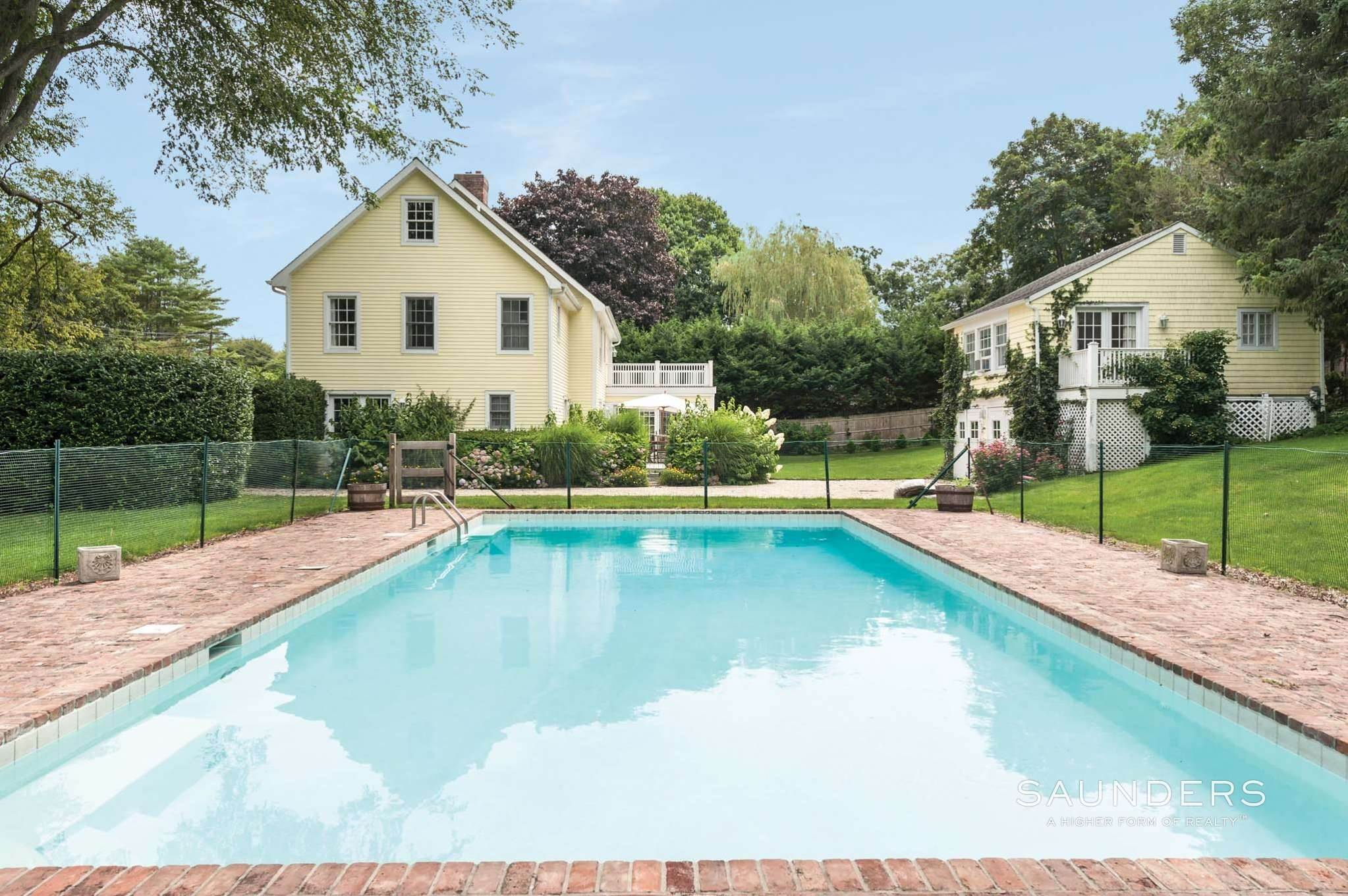 24. Single Family Homes for Sale at East Hampton Village Traditional South Of The Highway 21 Buckskill Road, East Hampton, East Hampton Town, NY 11937